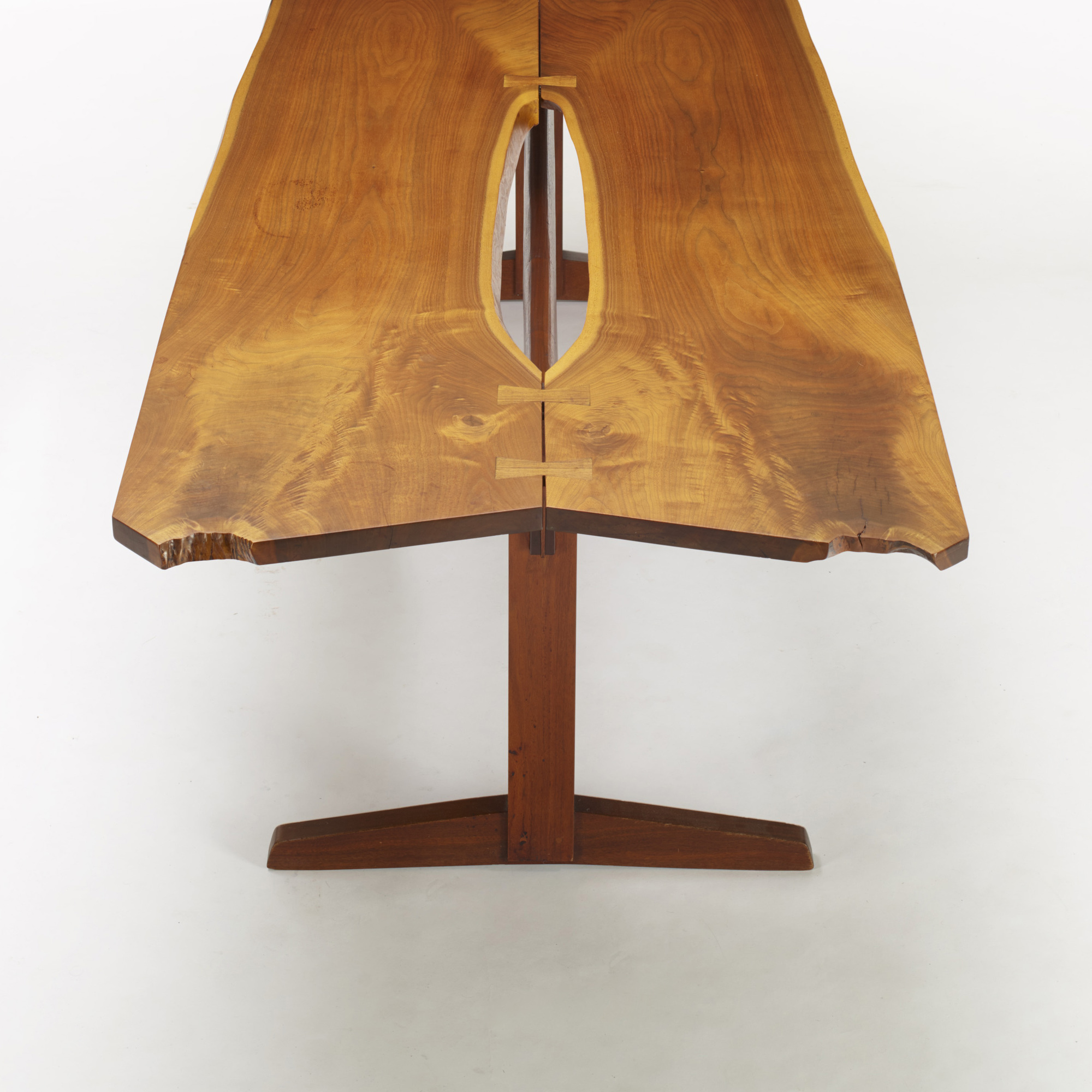 102: George Nakashima / early and important Trestle dining table (3 of 4)