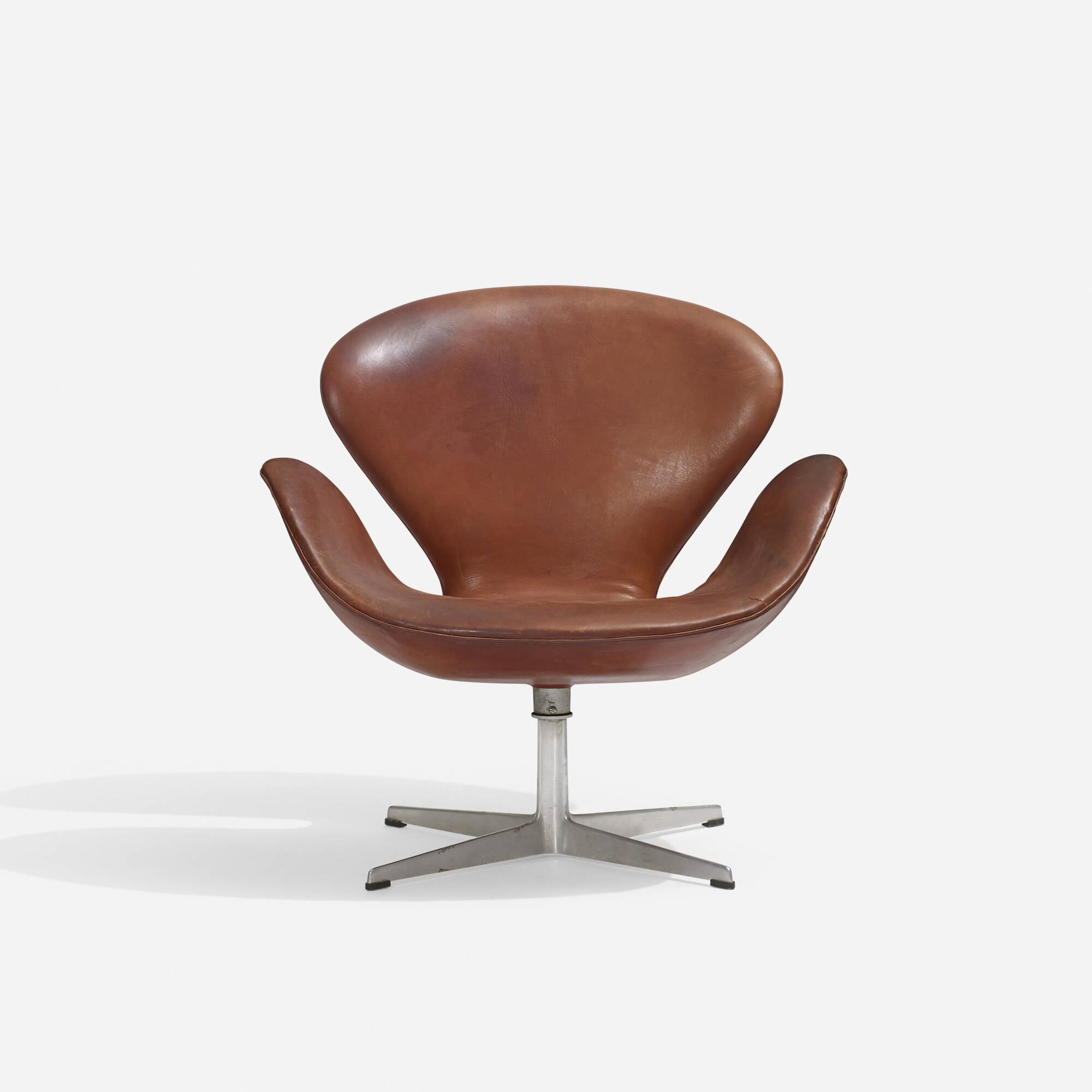 103: Arne Jacobsen / Swan chair (2 of 3)