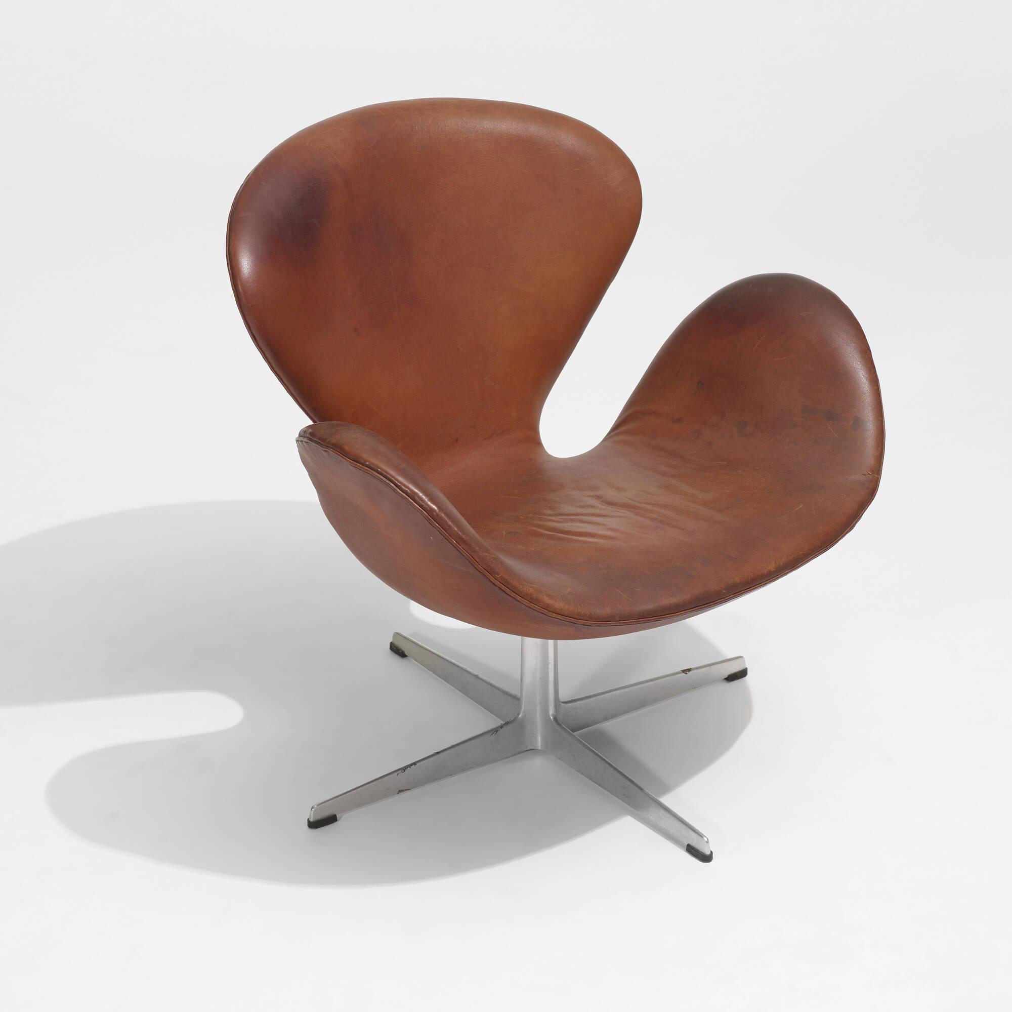 103: Arne Jacobsen / Swan chair (3 of 3)