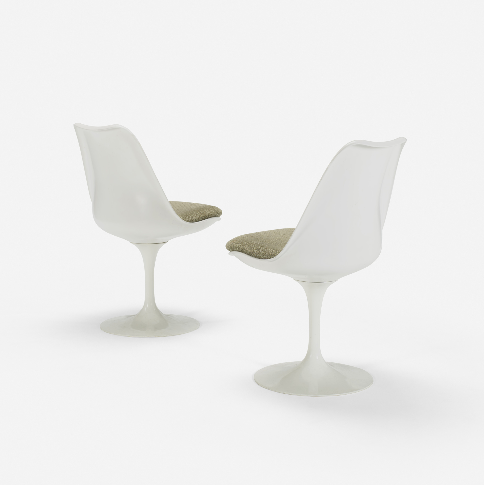 104: Eero Saarinen / Tulip chairs from the Ladies' Lounge, pair (1 of 1)