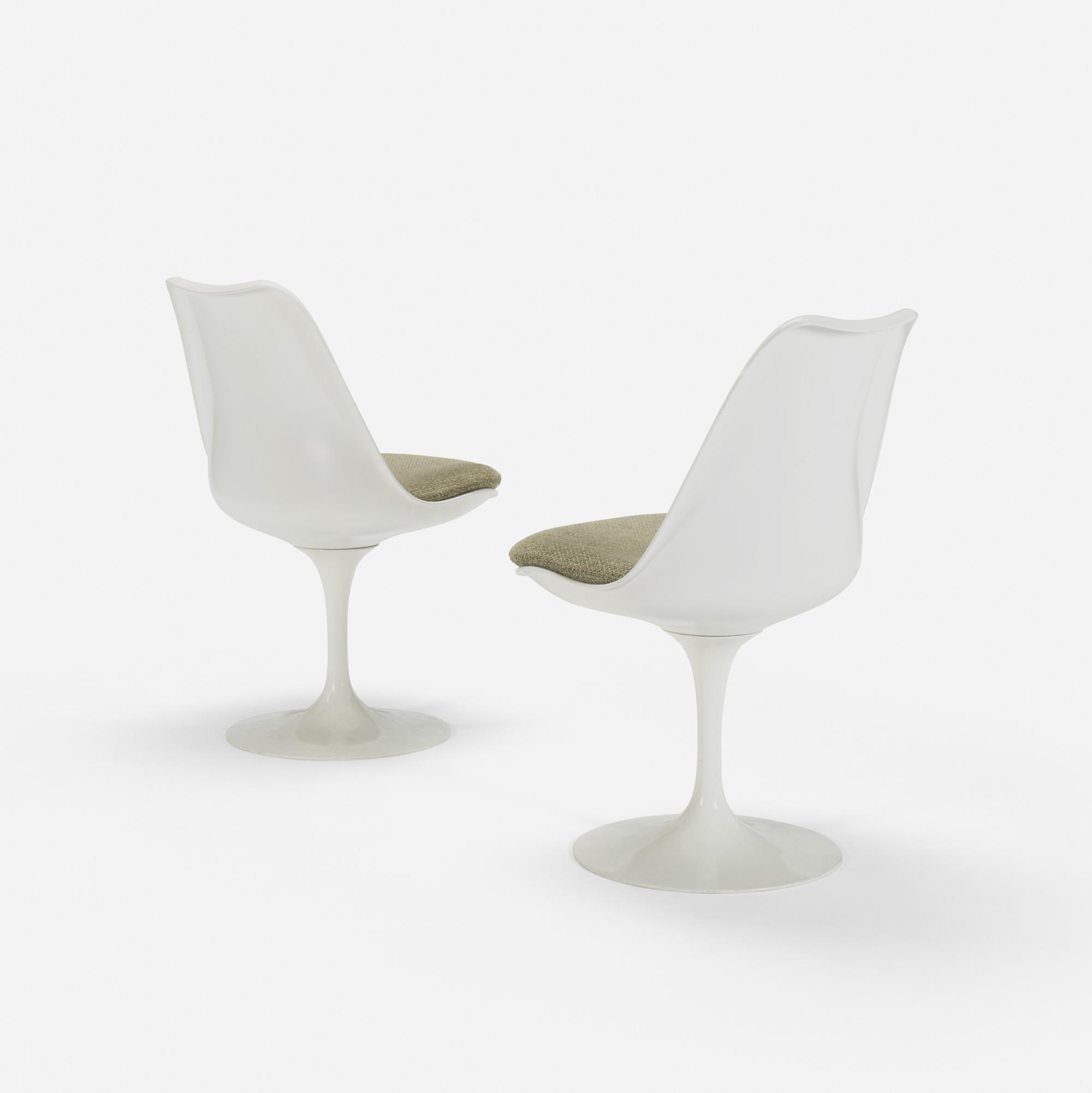 104: Eero Saarinen / Tulip chairs from the Ladies' Lounge, pair (1 of 1)