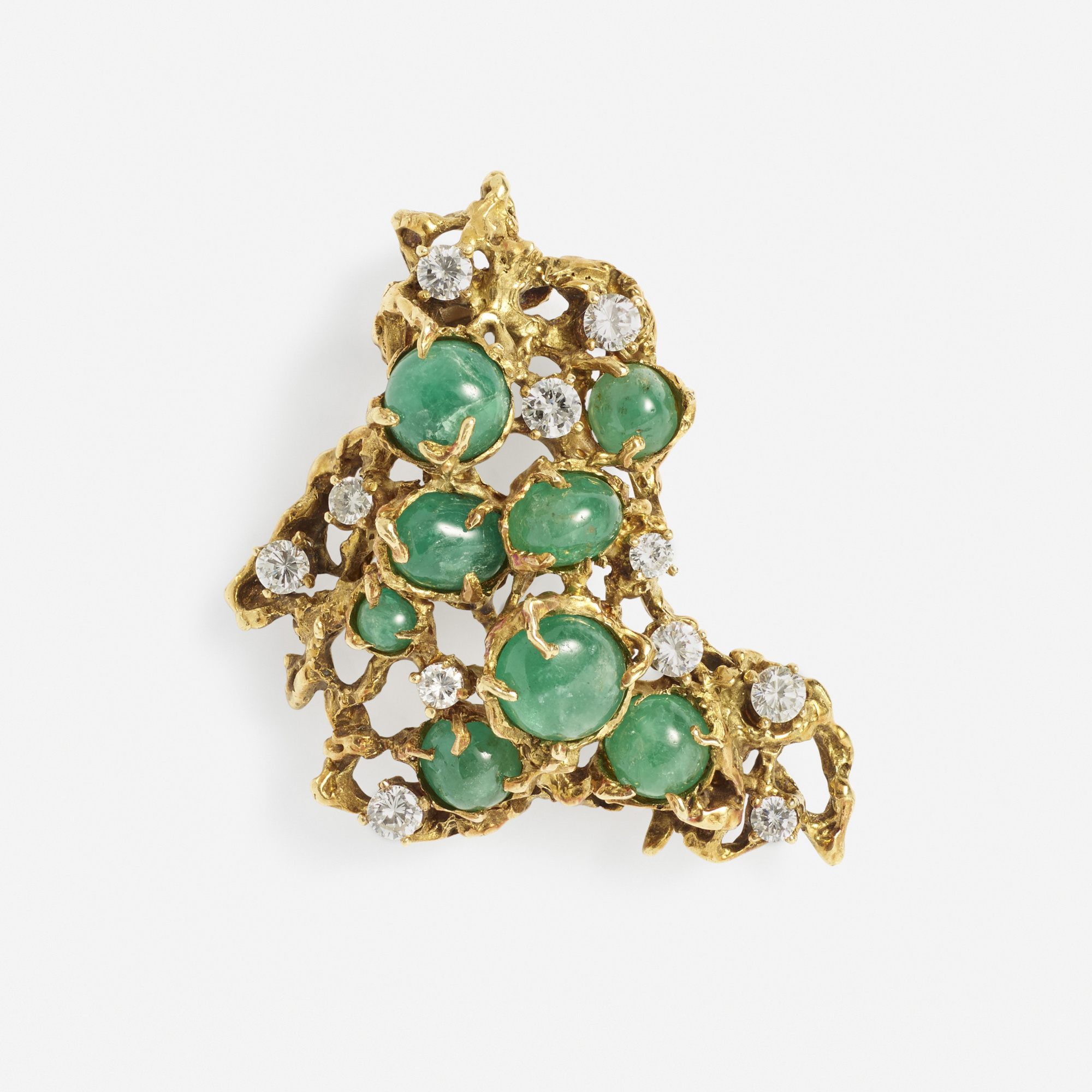 105: Arthur King / A gold, diamond and emerald brooch (1 of 1)