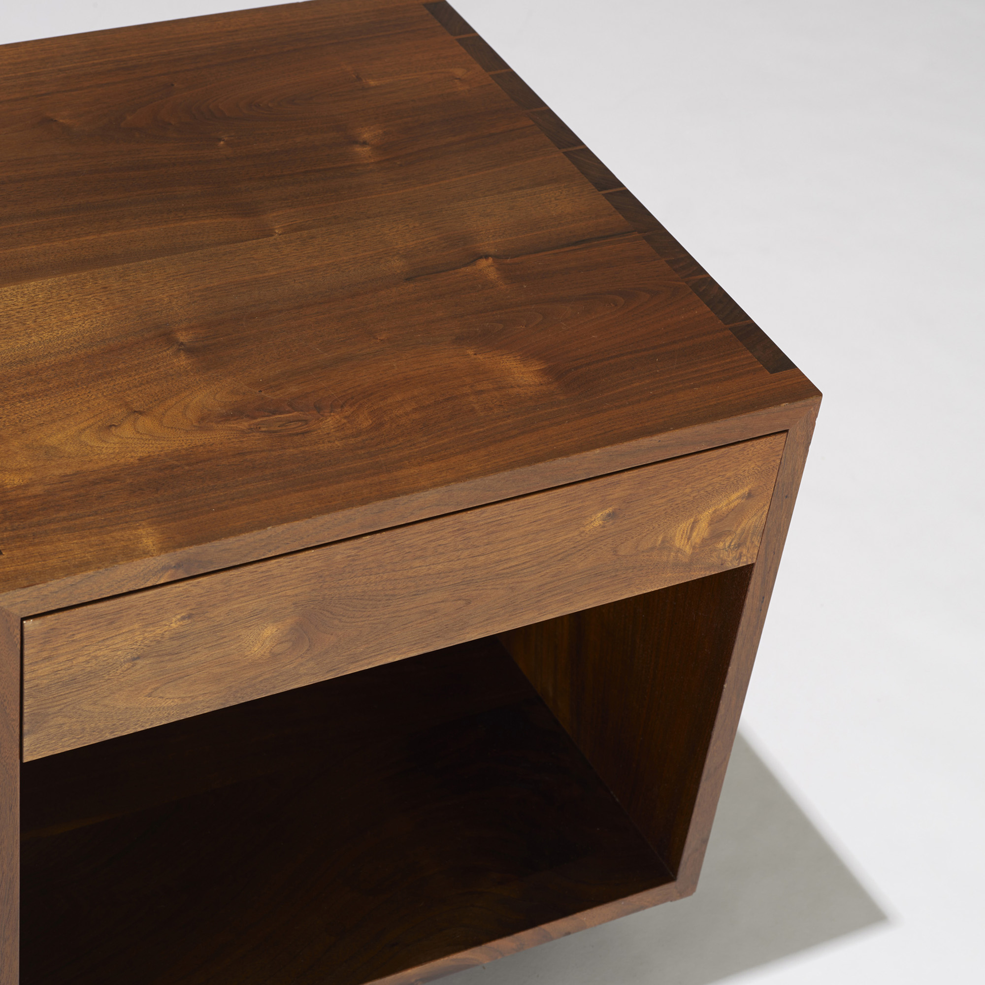 105 George Nakashima Swett Nightstands Pair Design 17 October 2013 Auctions Wright Auctions Of Art And Design