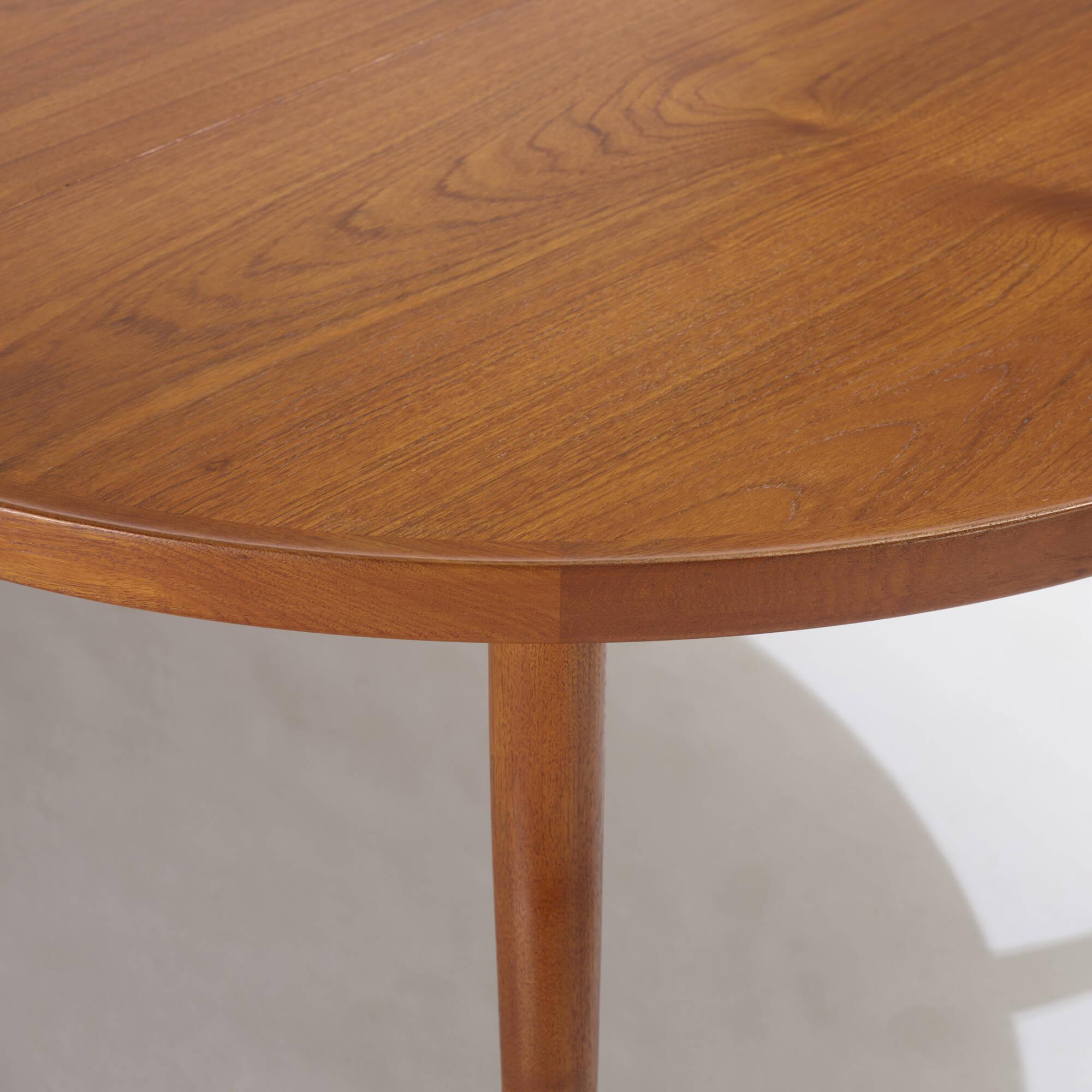 105: Finn Juhl / dining table (3 of 3)