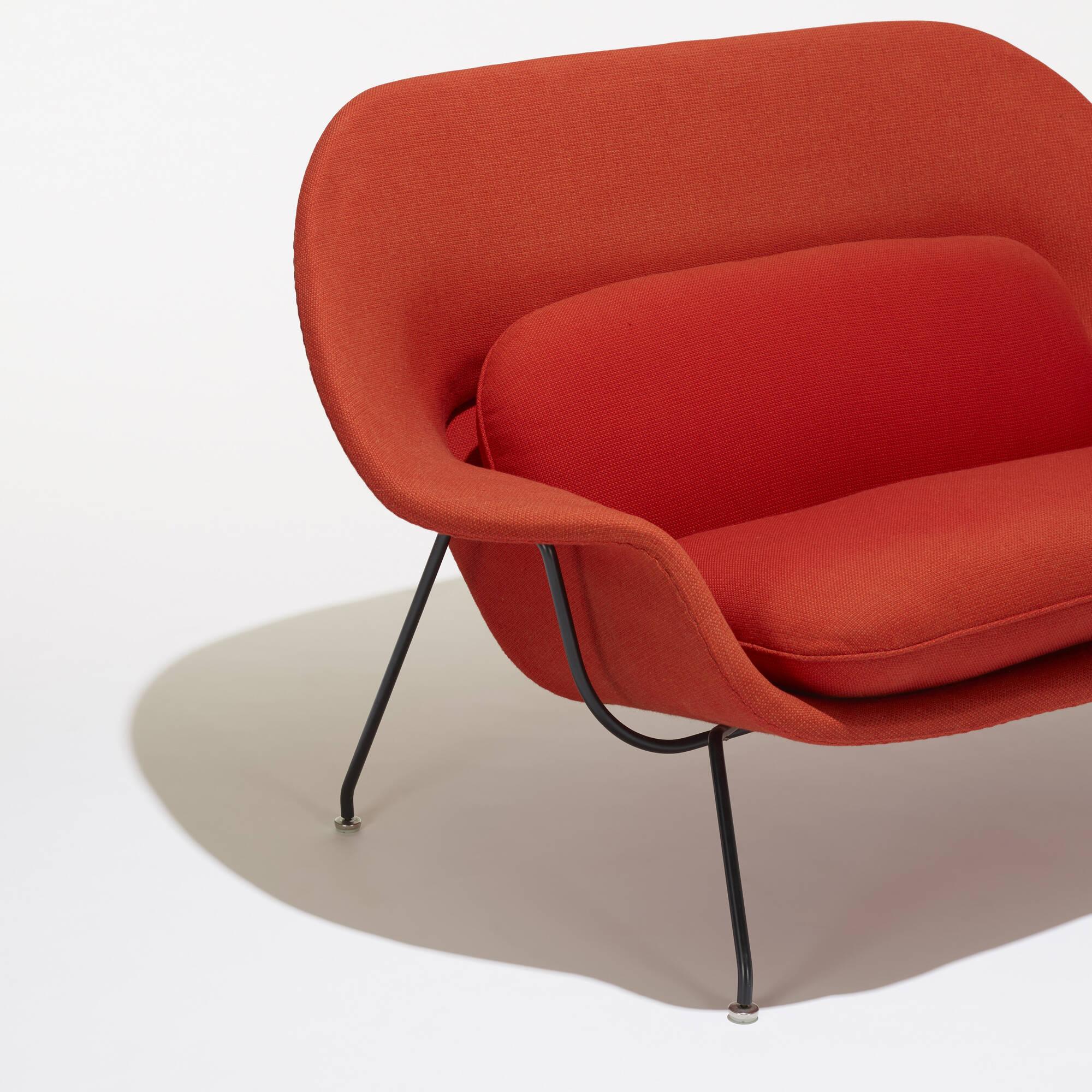 105 Eero Saarinen Womb settee American Design 21 September