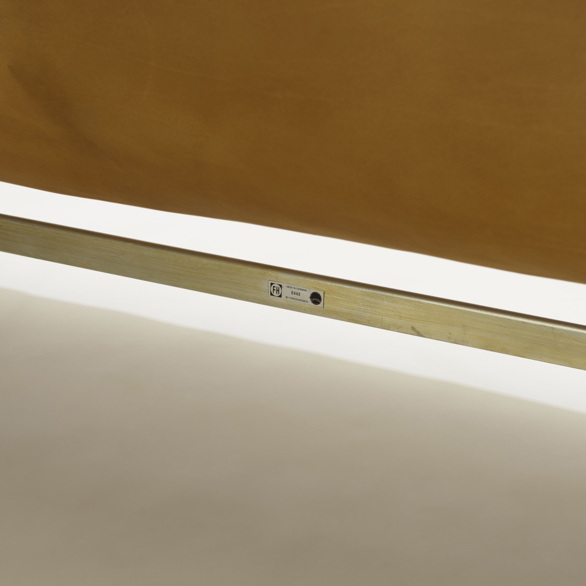 106: Arne Jacobsen / Swan settee, model 3321 (5 of 5)