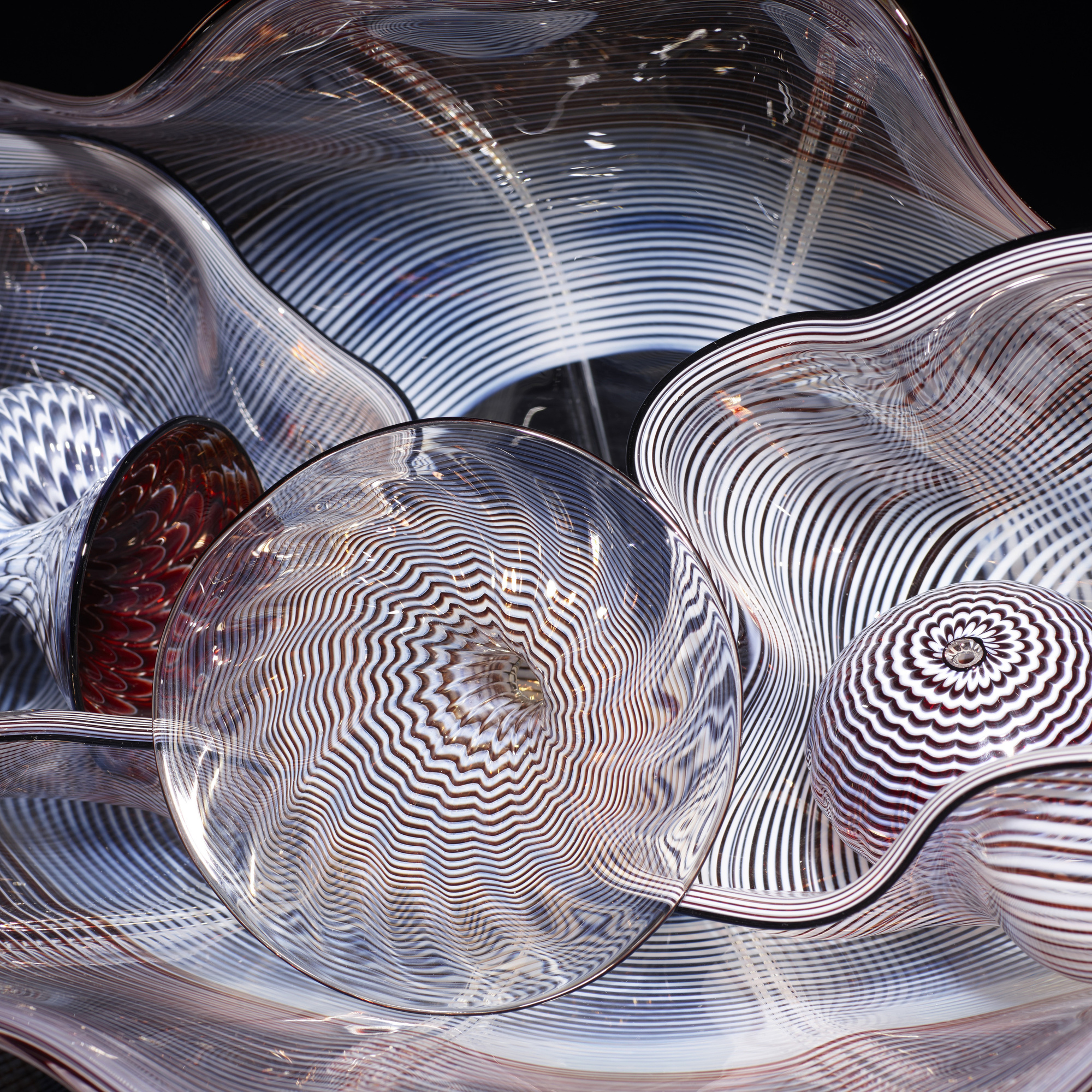 107: Dale Chihuly / Ox Blood Persian Set with Black Lip Wraps (2 of 3)