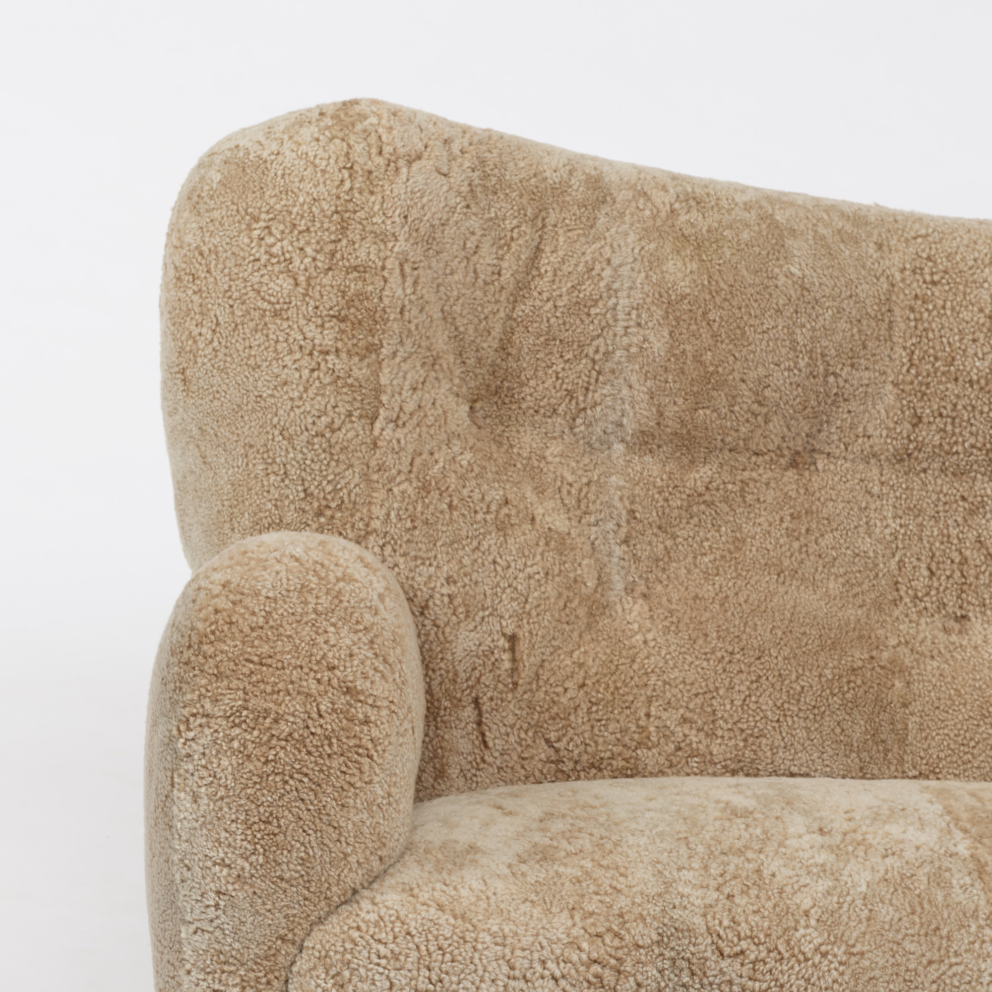 109: Danish / sofa (2 of 4)