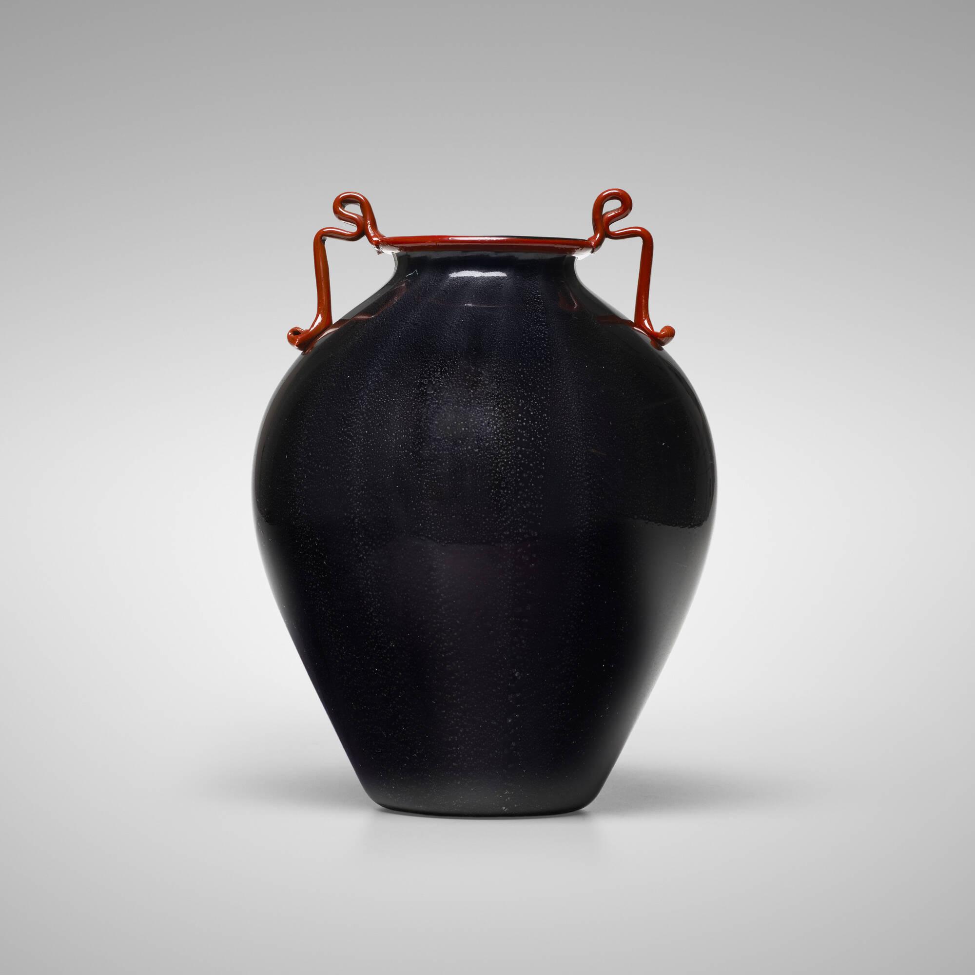 110: Fratelli Toso / Rosso e Nero vase (1 of 2)