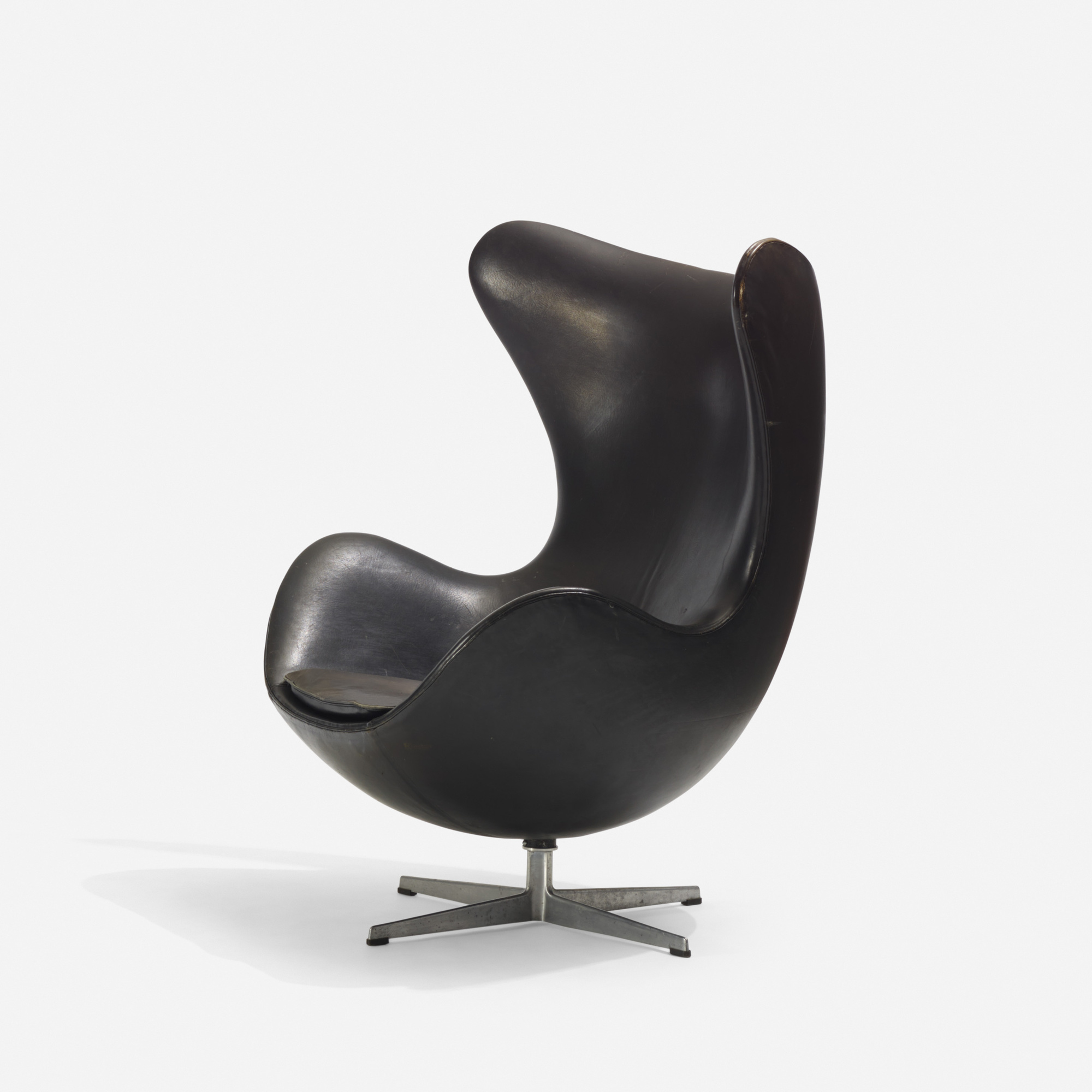 110: Arne Jacobsen / Egg chair (1 of 2)