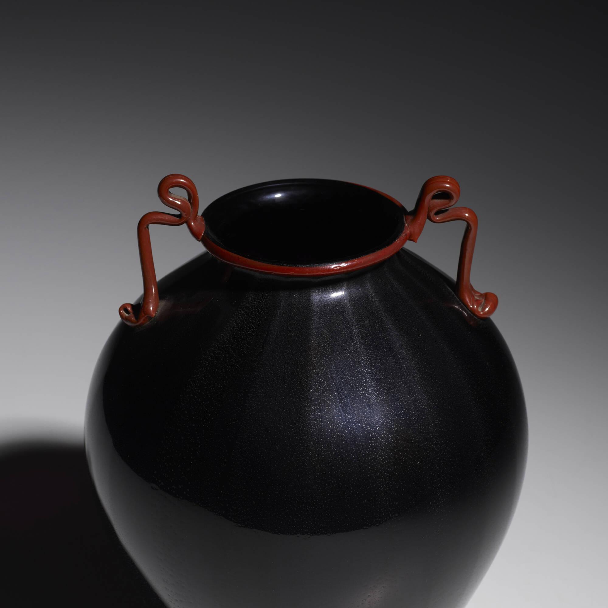 110: Fratelli Toso / Rosso e Nero vase (2 of 2)