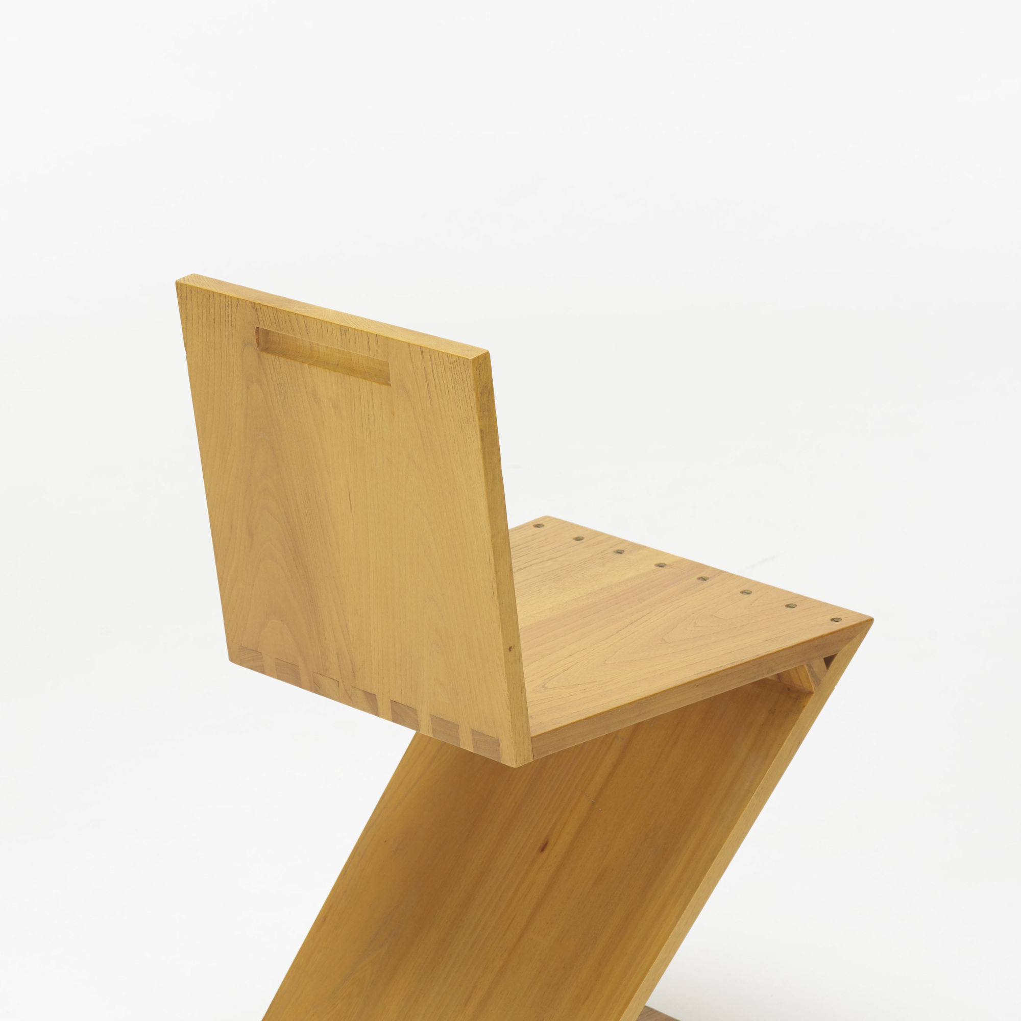 ... 110 Gerrit Rietveld / Zig-Zag chair (3 of 4) & 110: GERRIT RIETVELD Zig-Zag chair u003c Design  26 October 2017 ...