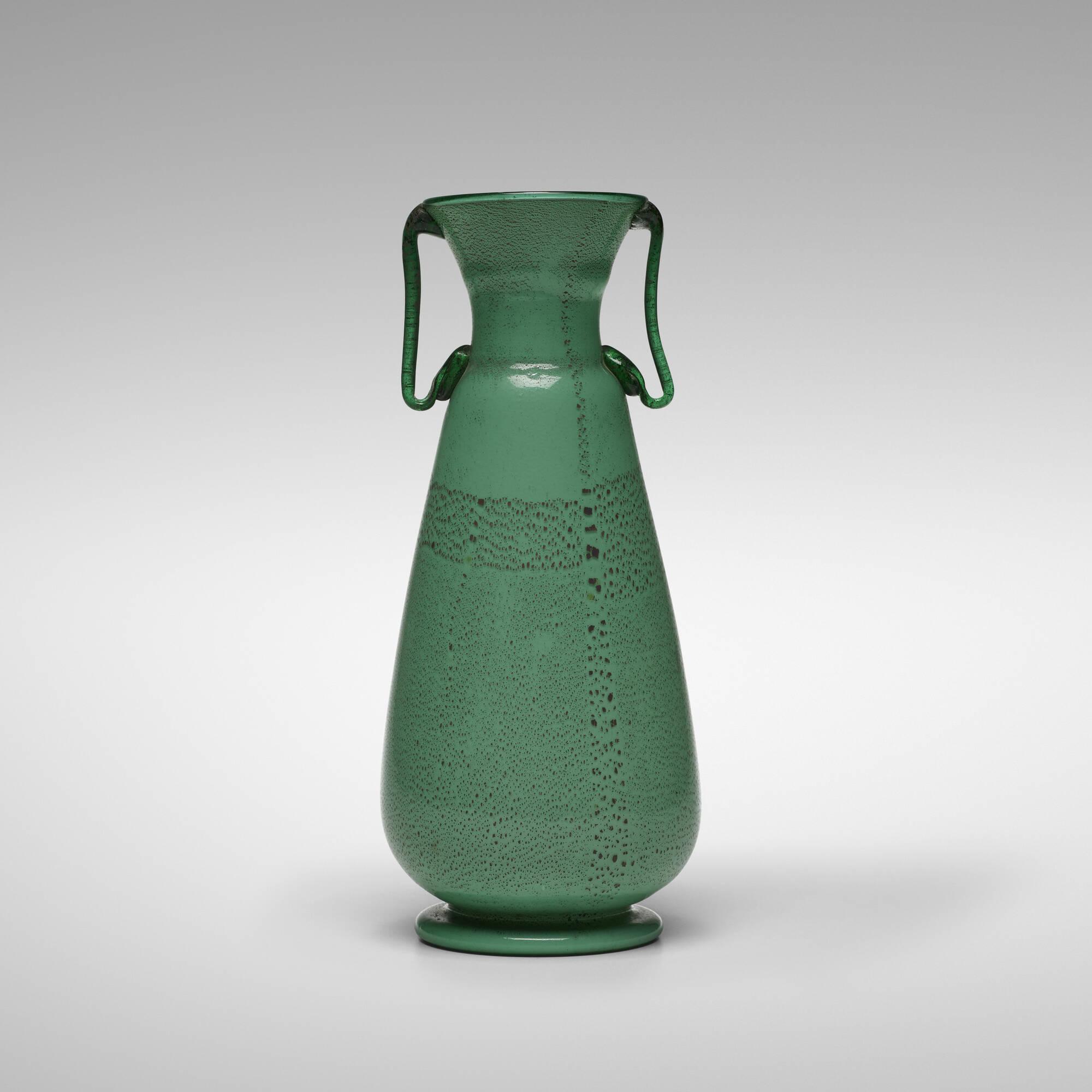 111: Nason, attribution / vase (1 of 3)