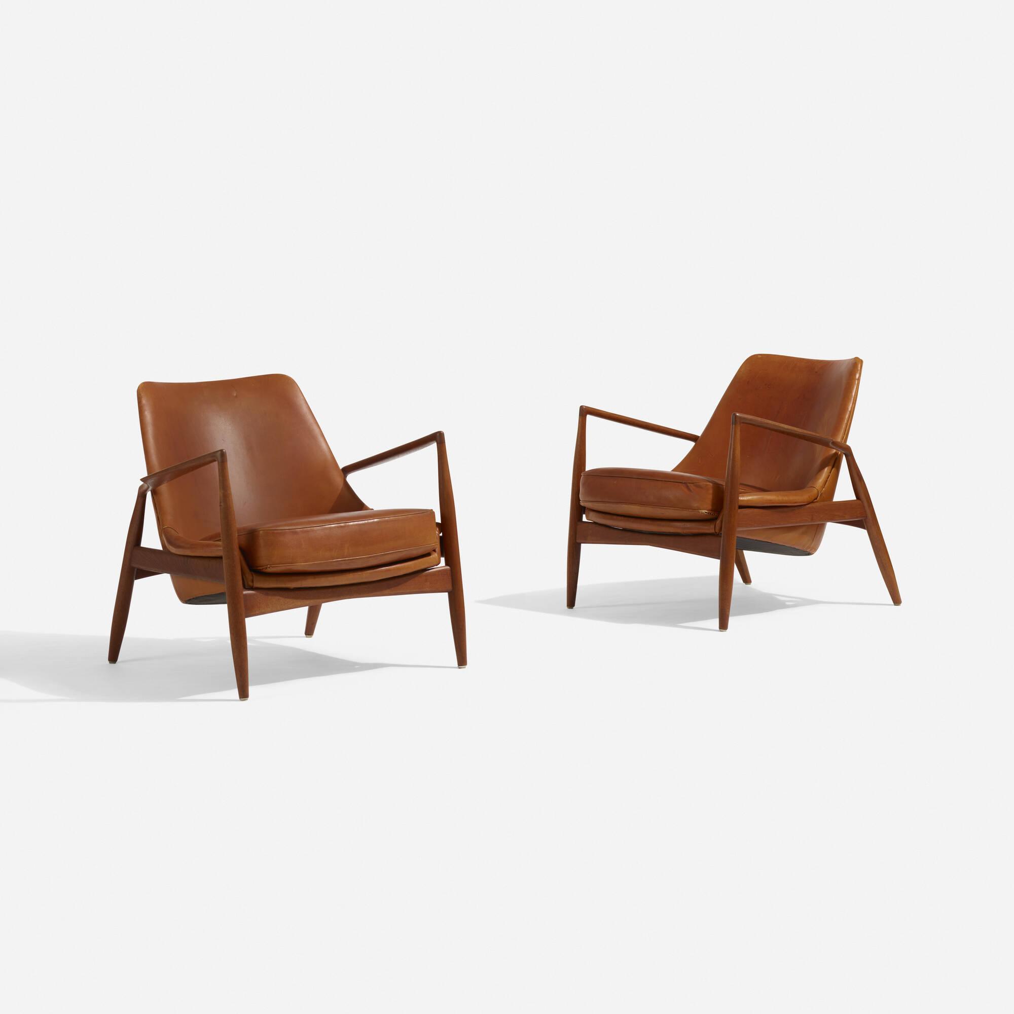 111: Ib Kofod Larsen / Seal Lounge Chairs, Pair (1 Of 4