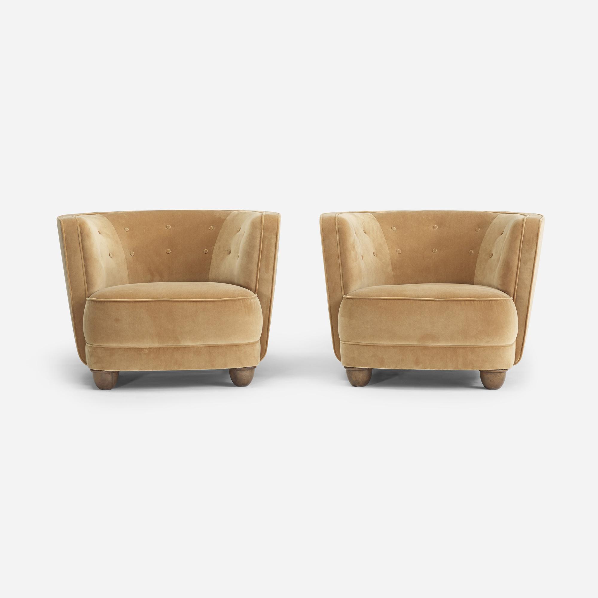 111: Danish Cabinetmaker / lounge chairs, pair (1 of 4)