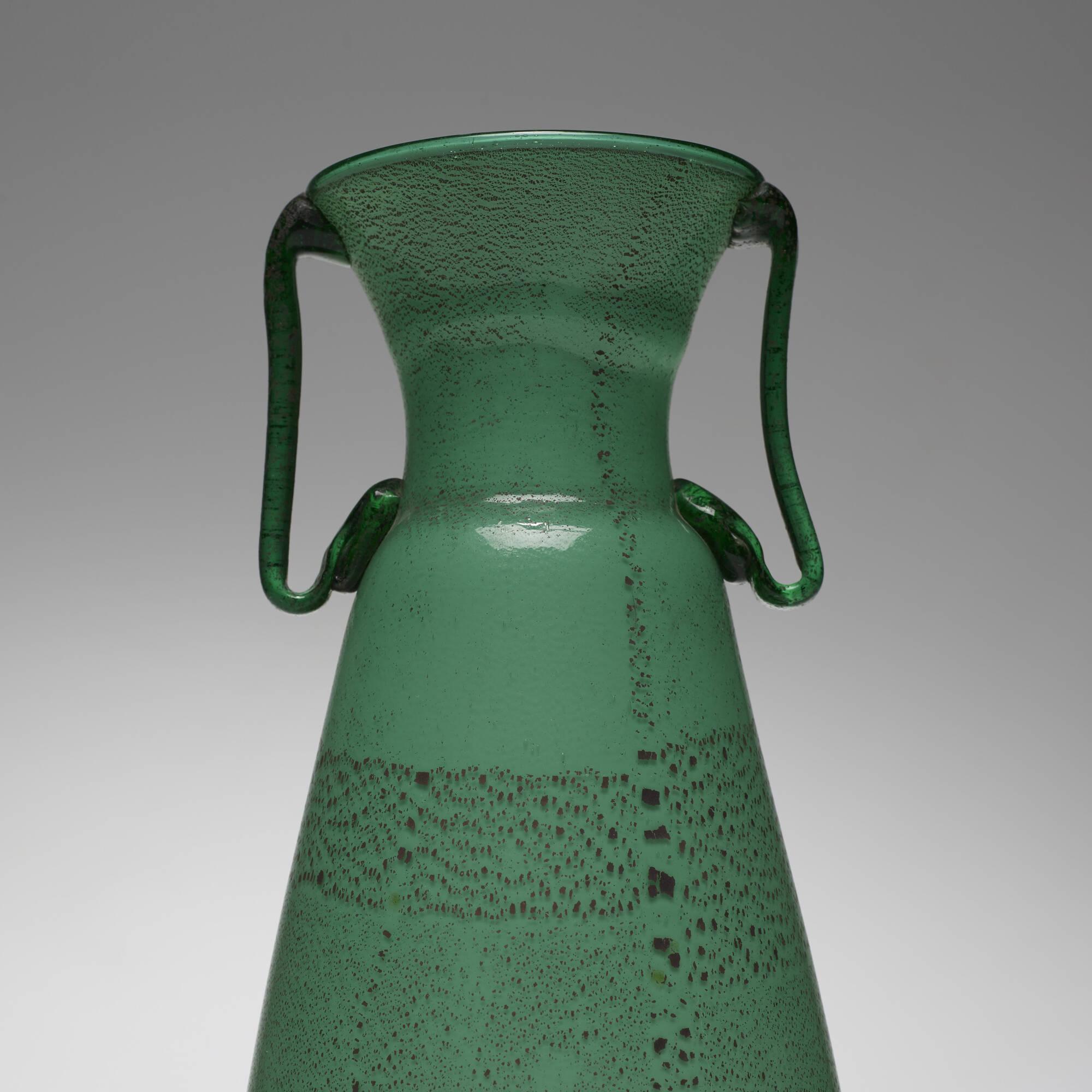111: Nason, attribution / vase (2 of 3)