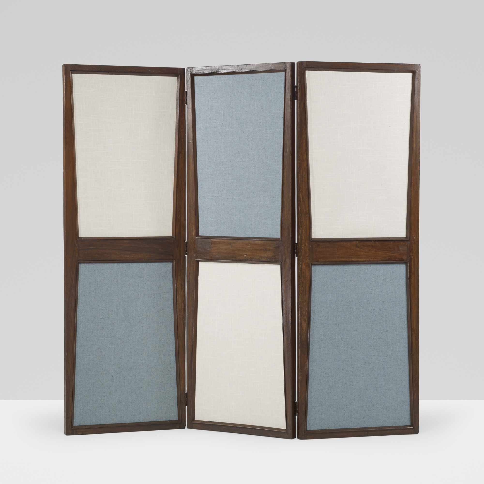 112: Pierre Jeanneret / folding screen from the Administrative buildings, Chandigarh (1 of 1)