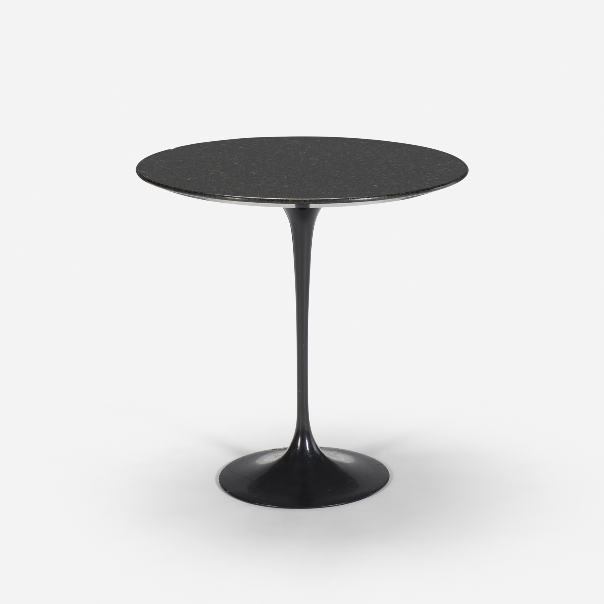 113: Eero Saarinen / Tulip table from the Grill Room (1 of 1)
