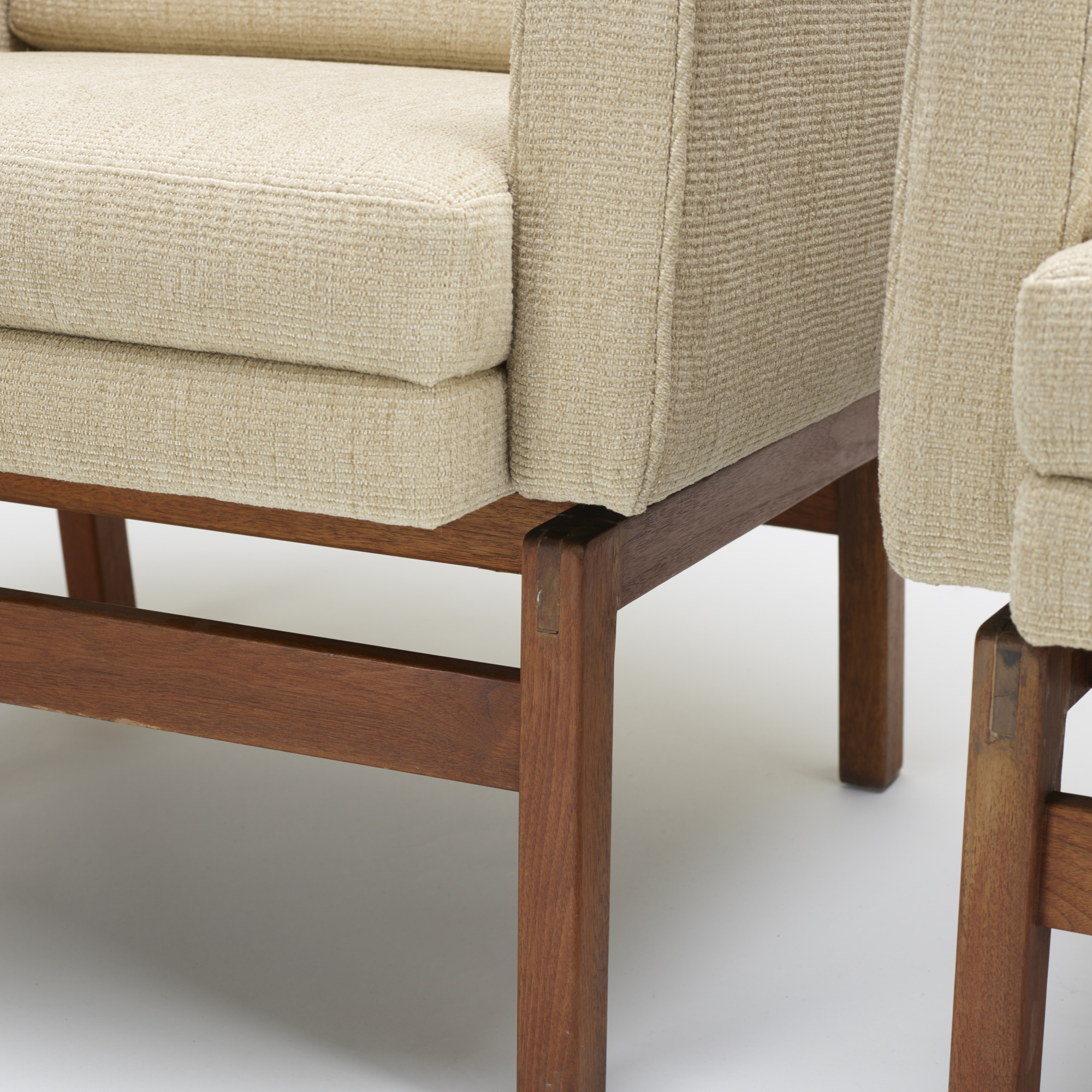 113: Jens Risom / lounge chairs, pair (3 of 3)