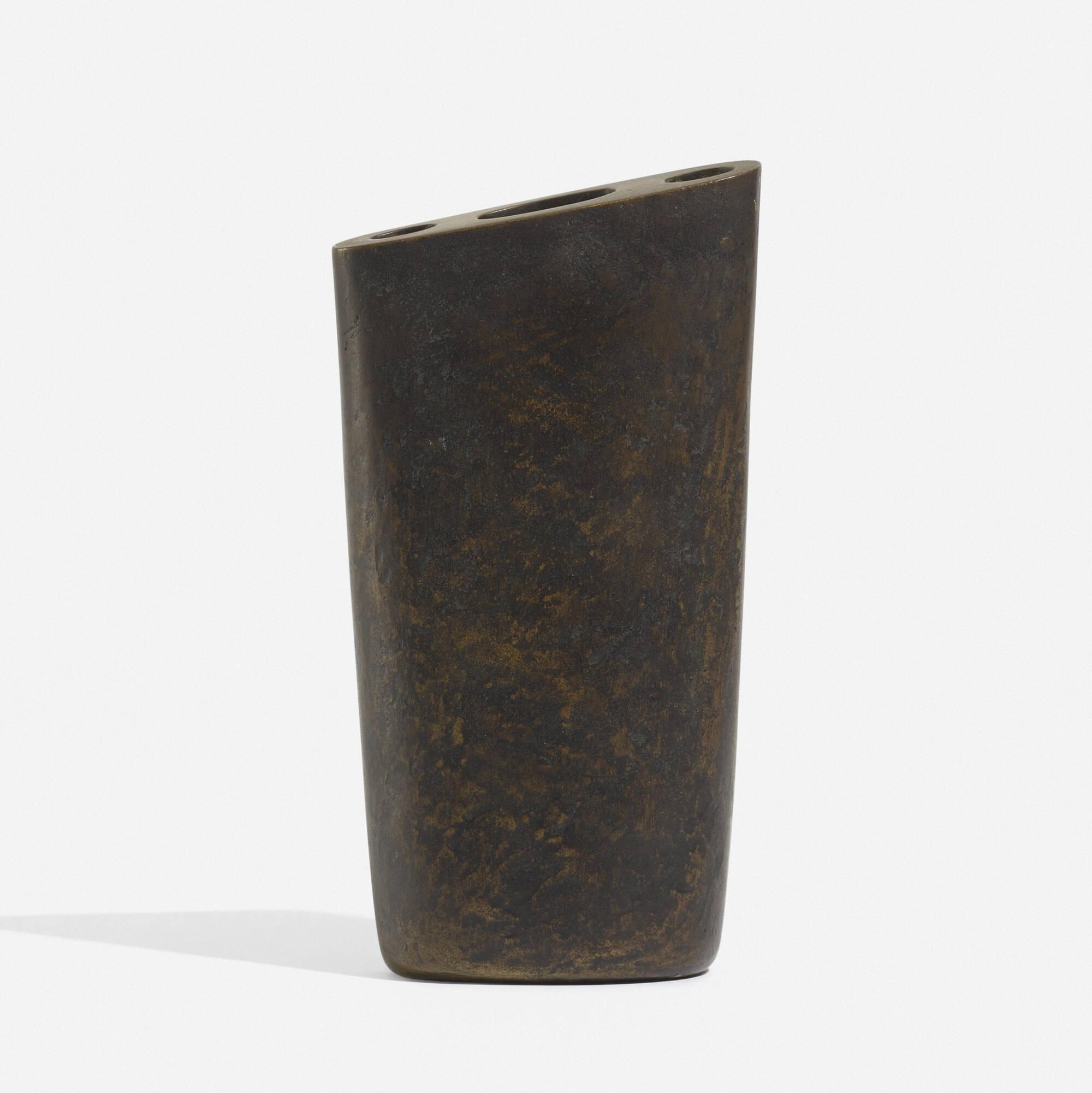 114: Carl Auböck II / vase, model 7235 (2 of 3)