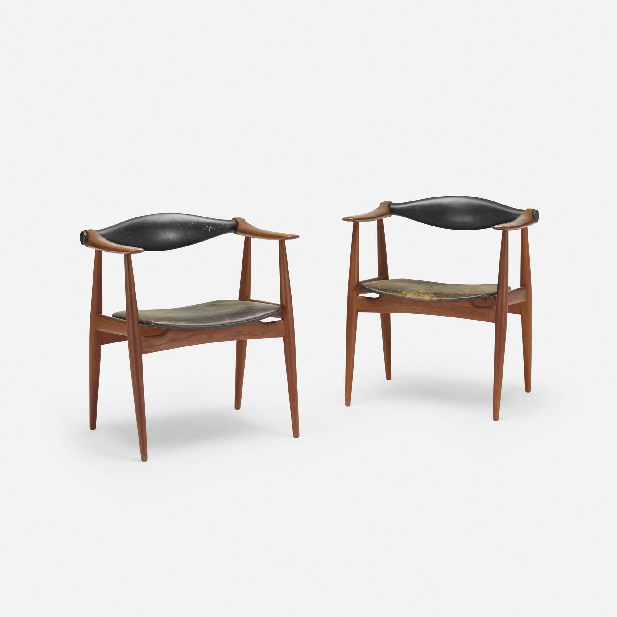 117: Hans J. Wegner / armchairs model CH34, pair (1 of 4)