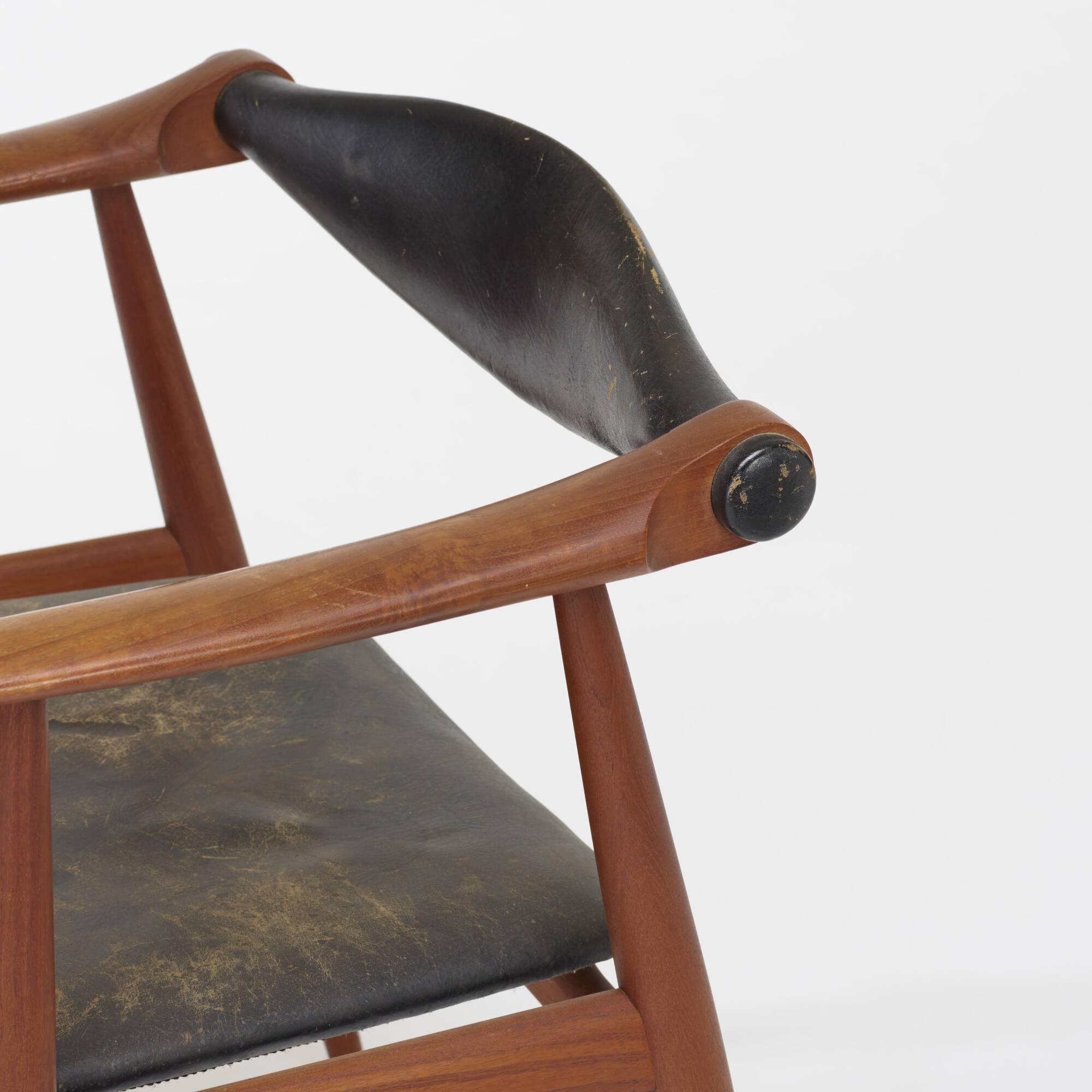 117: Hans J. Wegner / armchairs model CH34, pair (3 of 4)