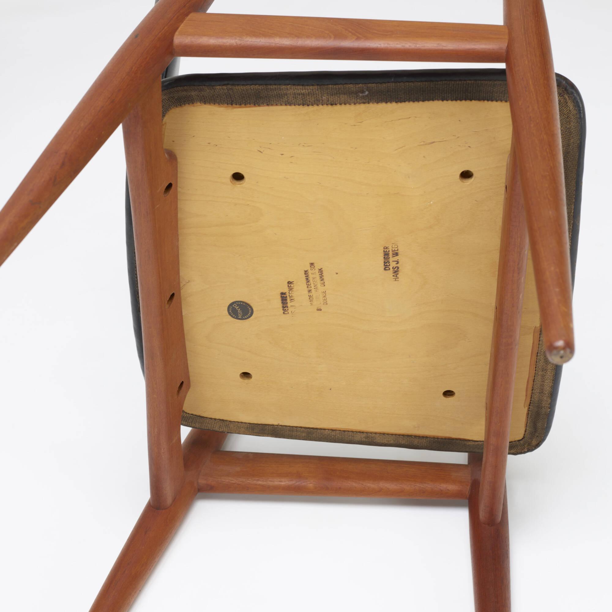 117: Hans J. Wegner / armchairs model CH34, pair (4 of 4)