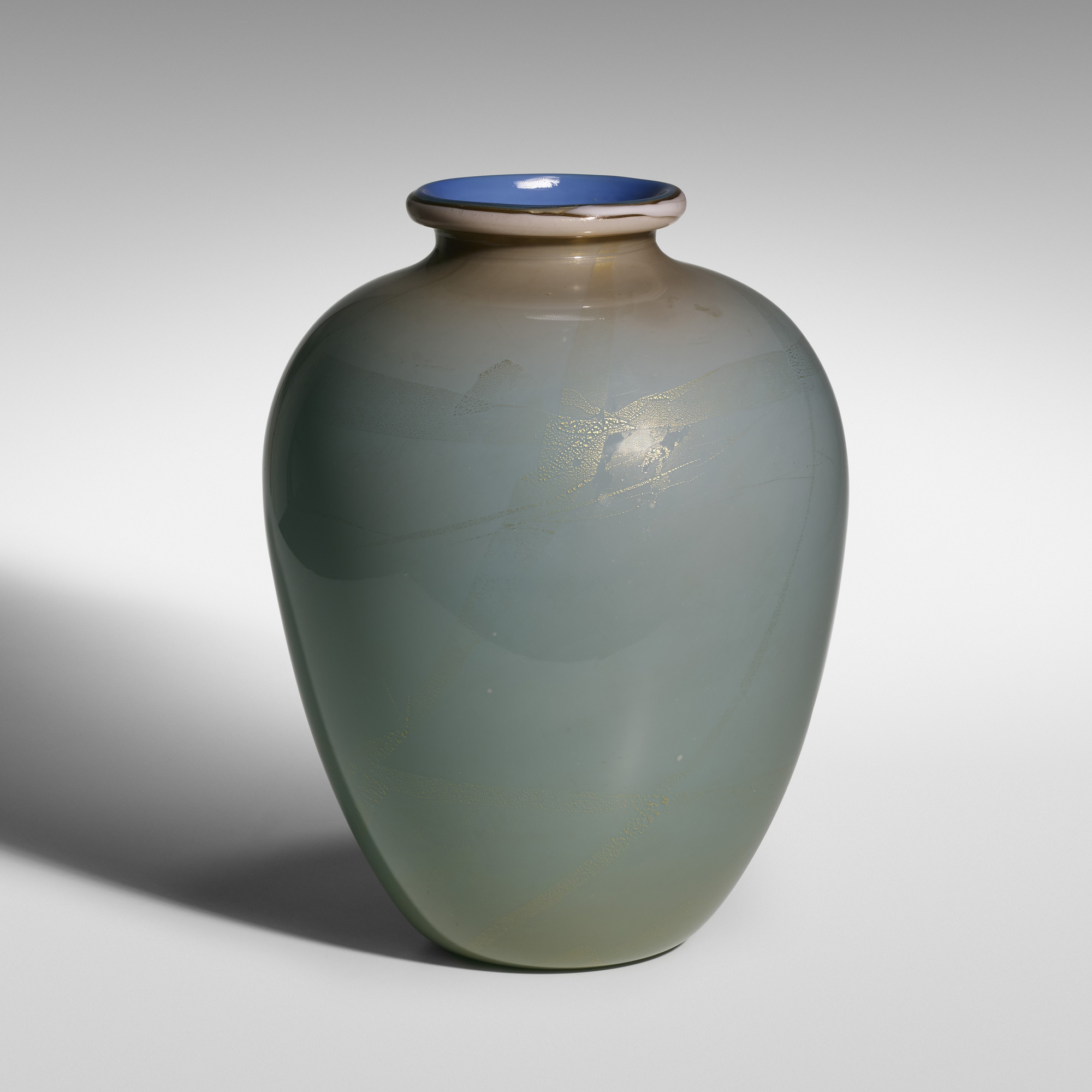 118: Tomaso Buzzi / monumental Alga vase, model 1872 (1 of 3)