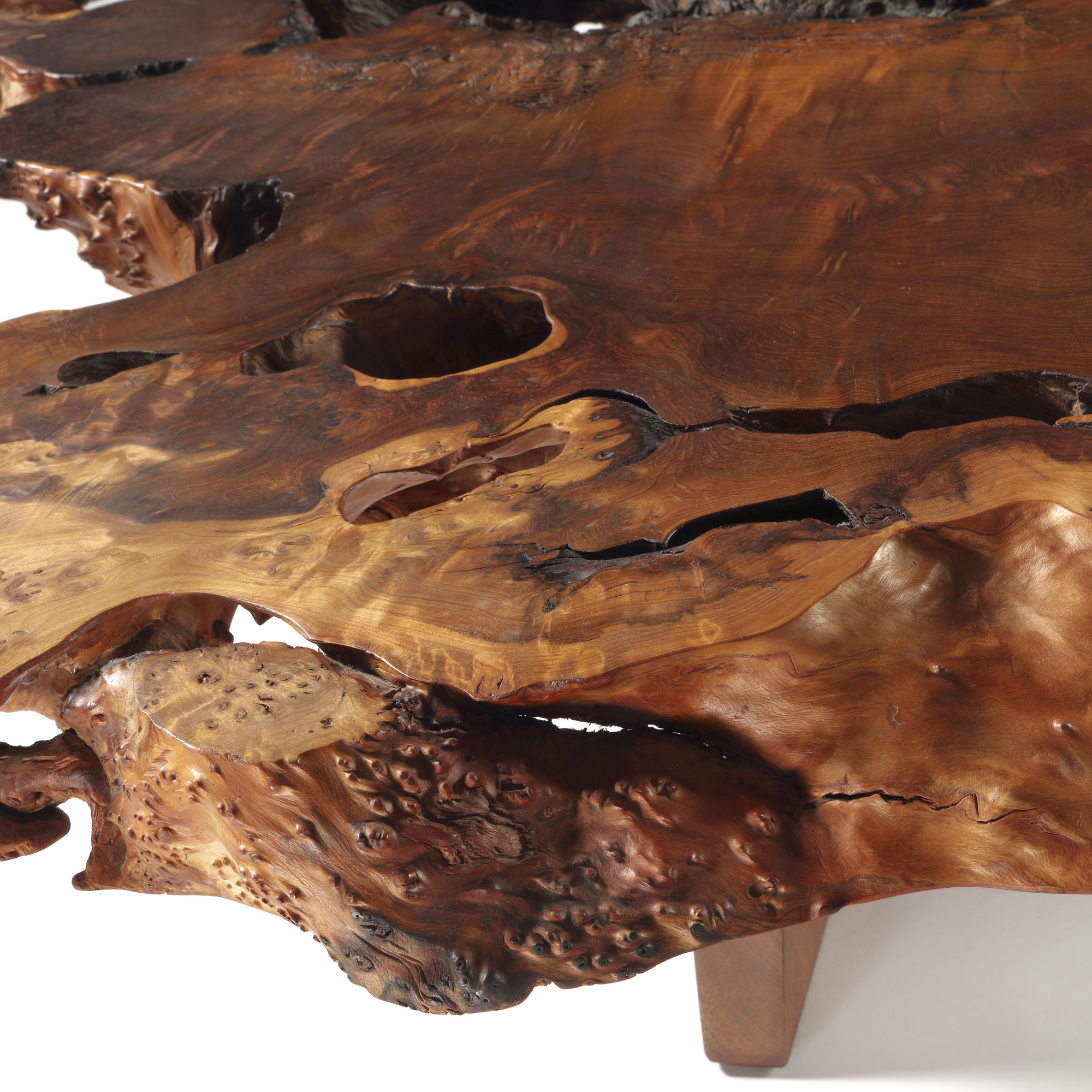 11: George Nakashima / Important and Rare Minguren coffee table (4 of 5)