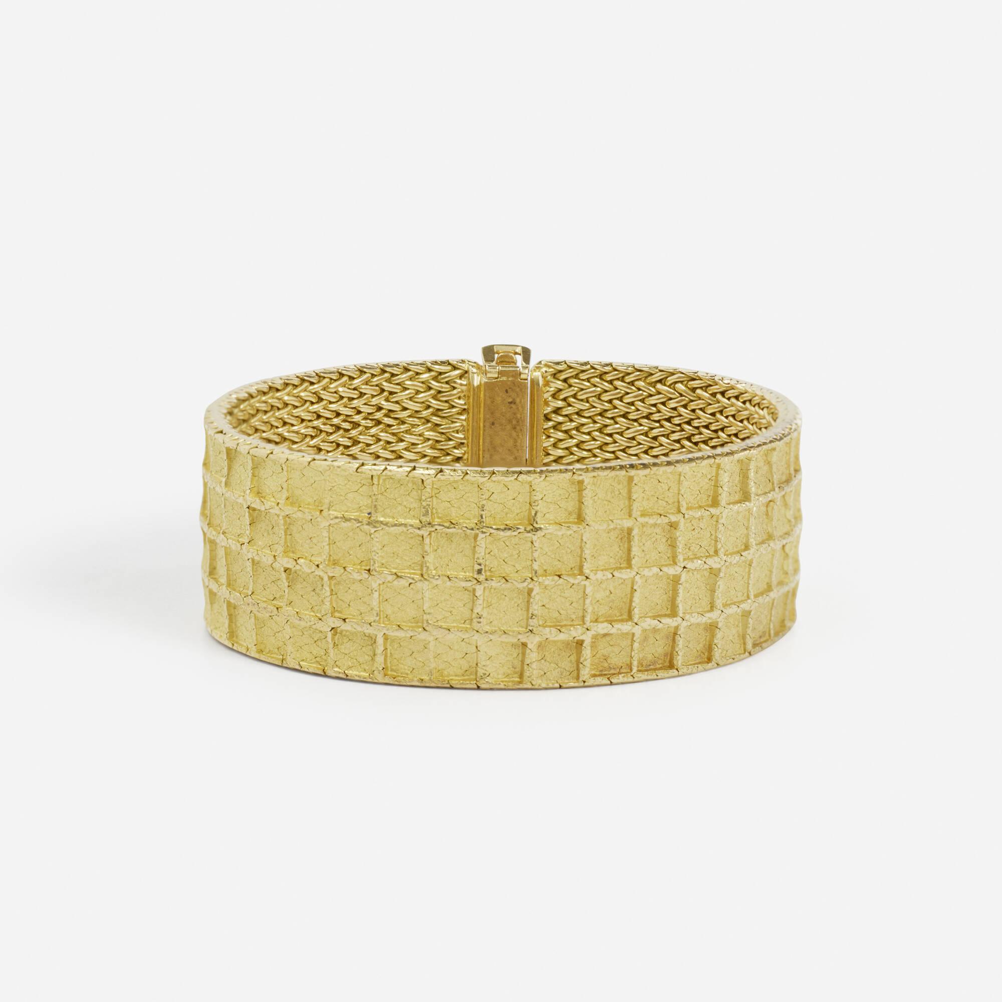 120: Lanfont / A gold bracelet (2 of 2)