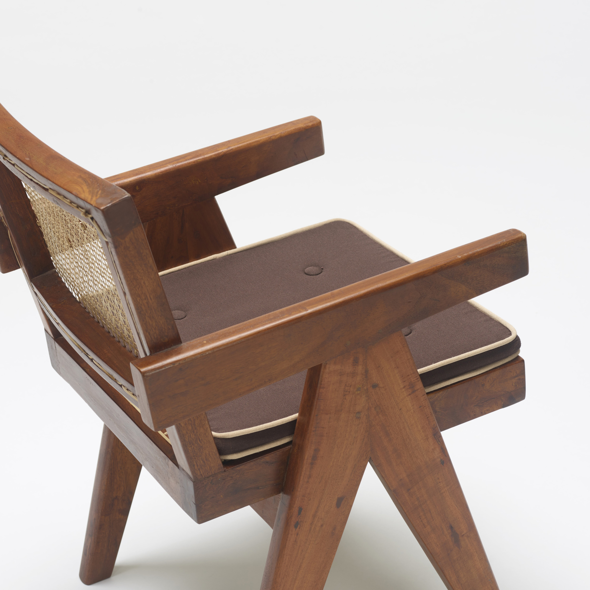 120: Pierre Jeanneret / armchair from Chadigarh (3 of 3)