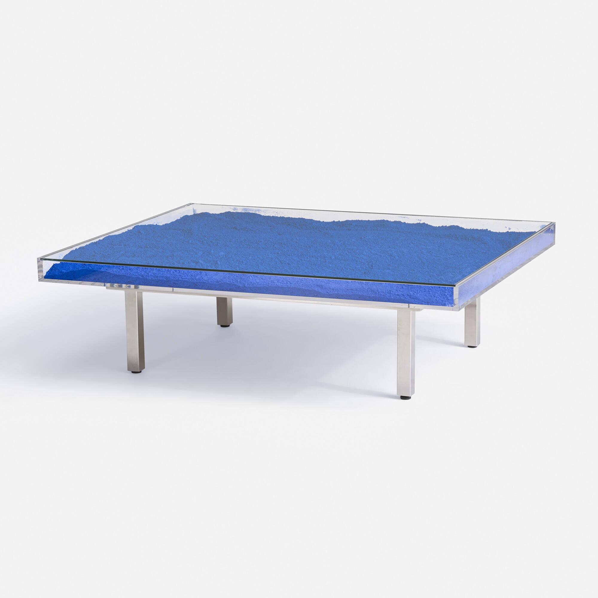 125 yves klein table bleue for Table design 2014