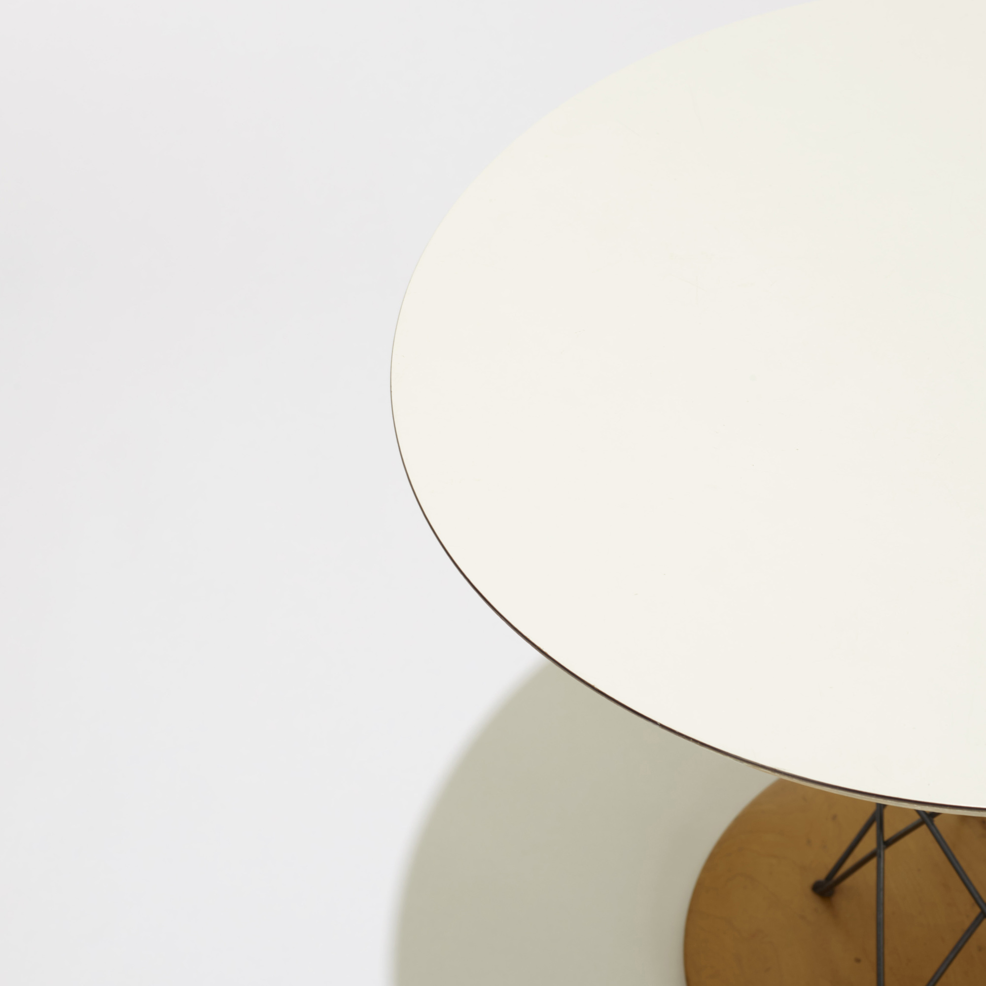 129: Isamu Noguchi / child's table, model 87 (2 of 2)