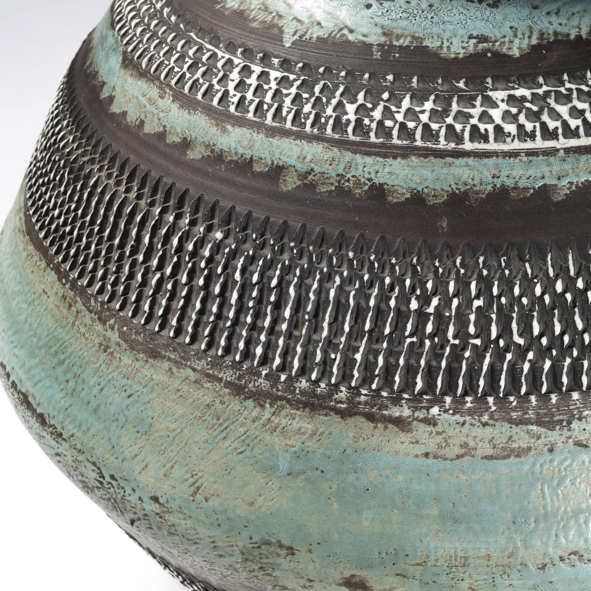 12: Jean Besnard / Monumental vase (2 of 2)