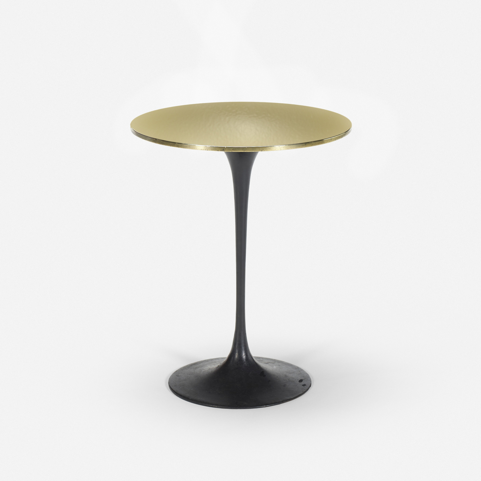 130 Eero Saarinen Custom Tulip table from the bar of the Grill