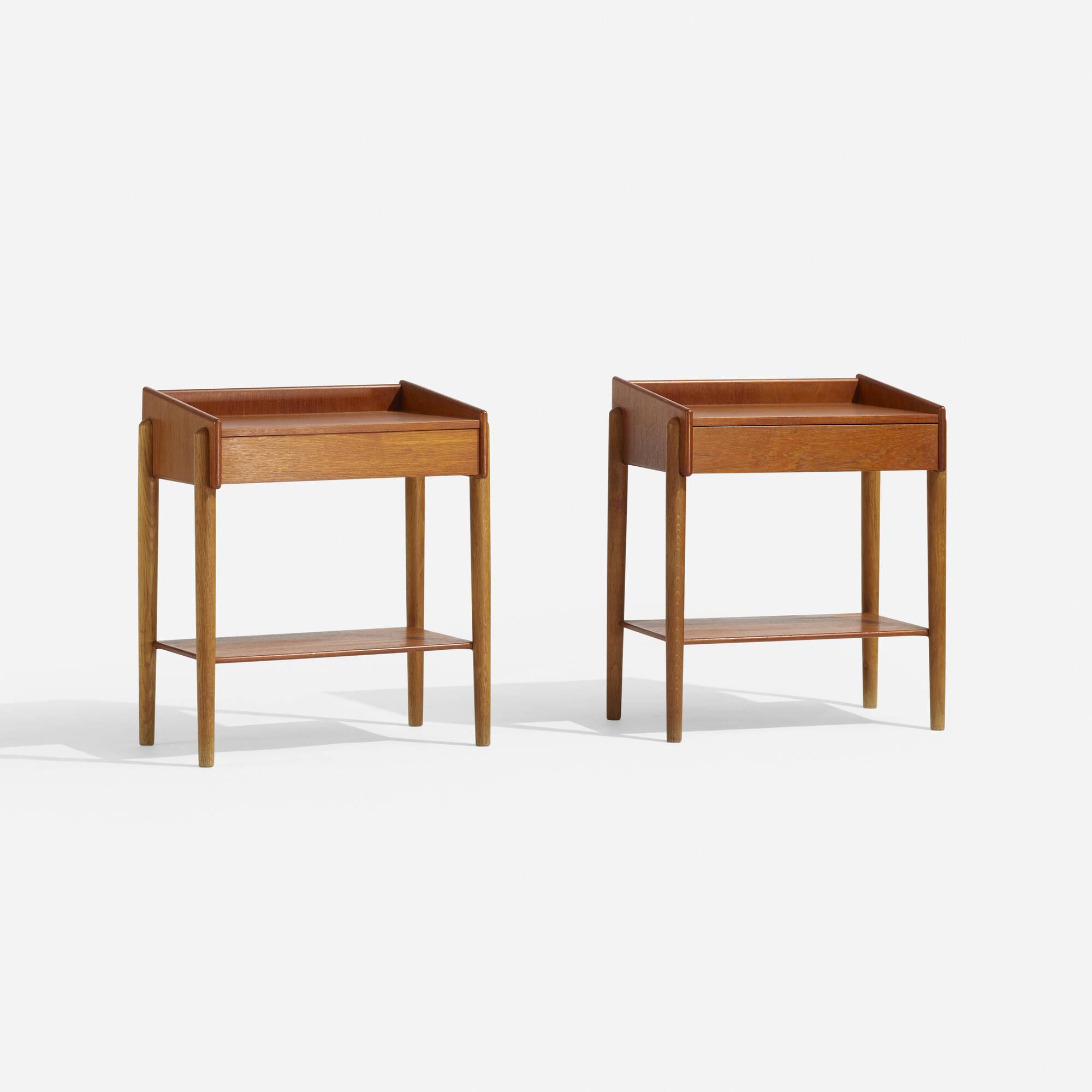 131: Børge Mogensen / nightstands model 148, pair (1 of 2)