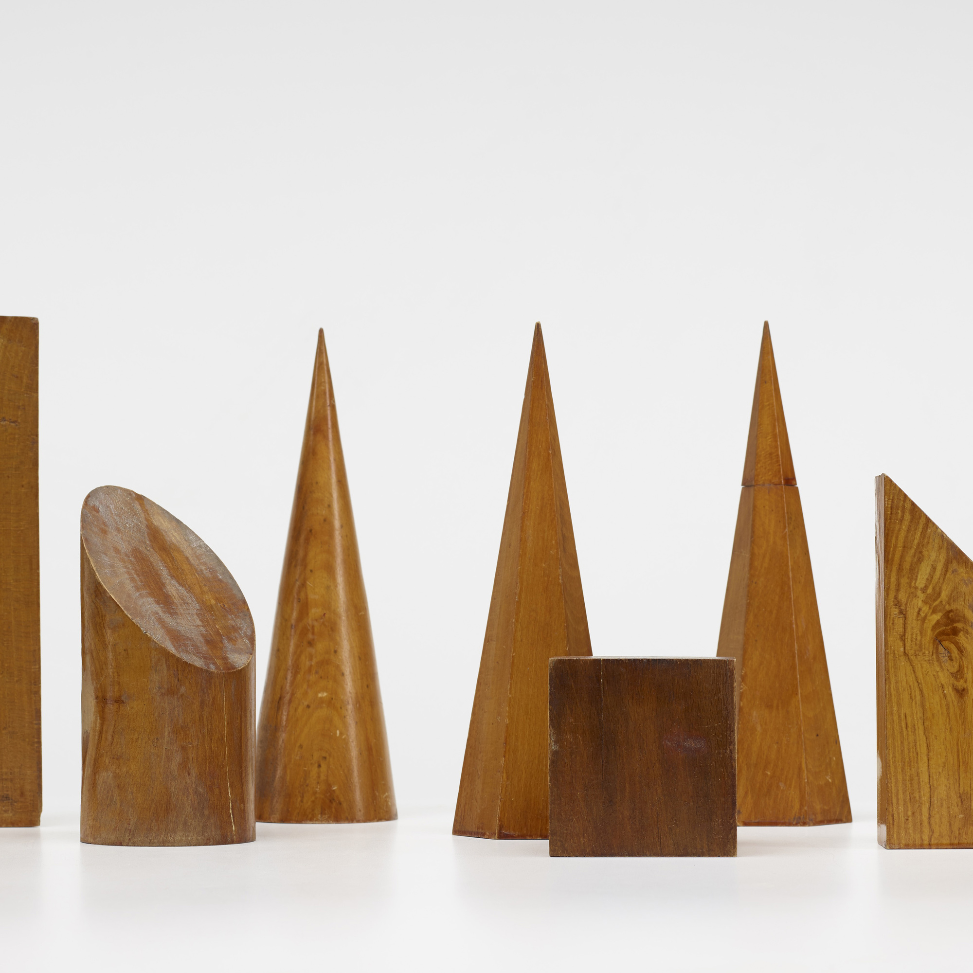 131: Belgian / collection of twelve volume models (2 of 2)