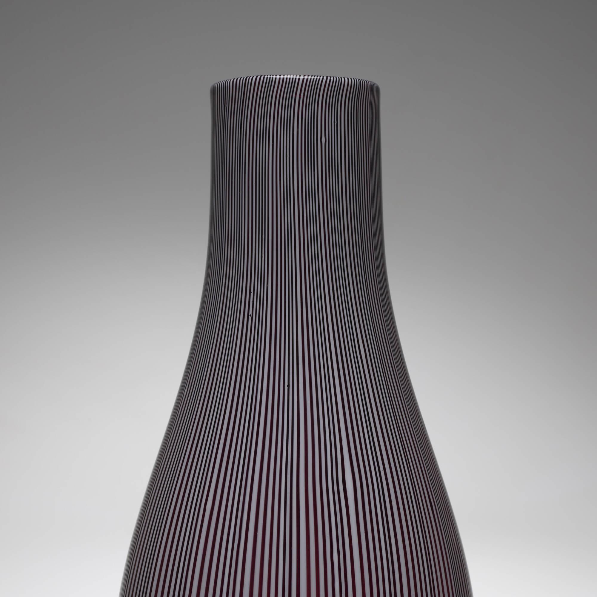 131: Carlo Scarpa / Tessuto vase, 3547 (3 of 4)