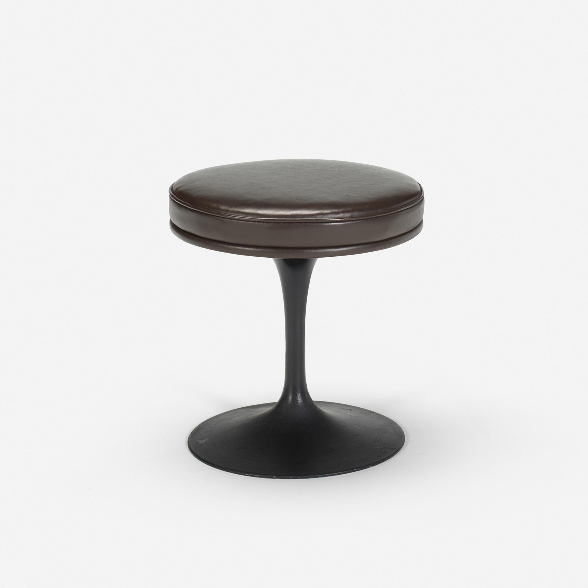 132: Eero Saarinen / Tulip stool from the bar of the Grill Room (1 of 1)