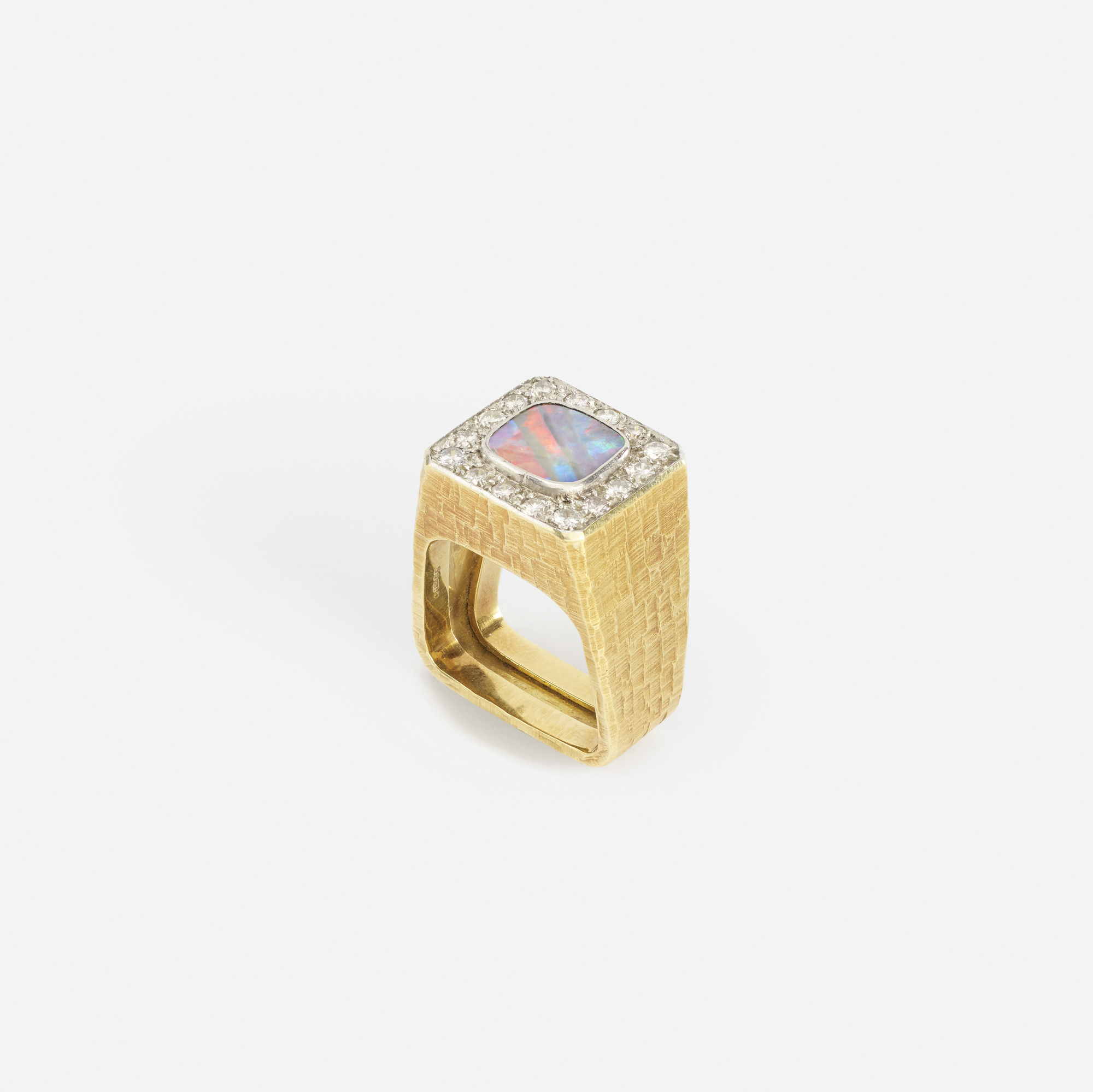 134: Andrew Grima / A gold, black opal and diamond ring (1 of 2)