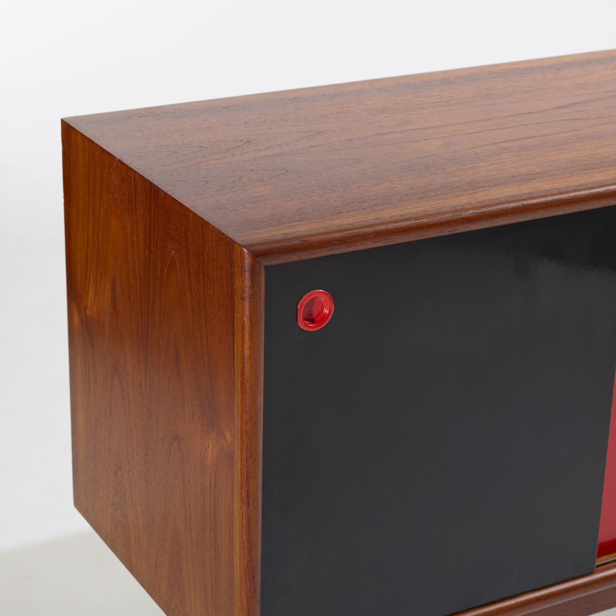 134: Arne Vodder, attribution / cabinet (3 of 3)