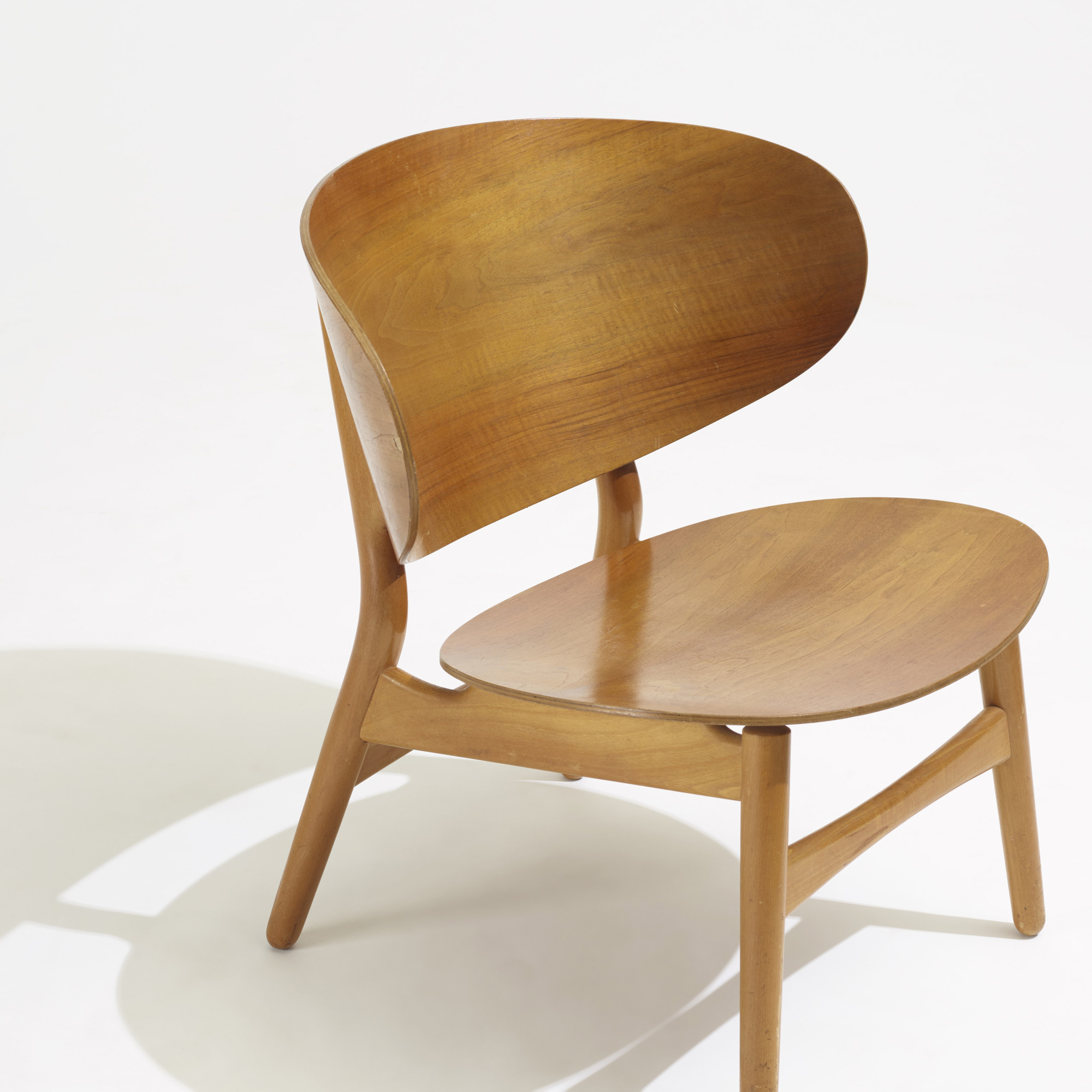 Wegner shell chair 28 ch07 shell chair by coalesse hbi for 100 chair design