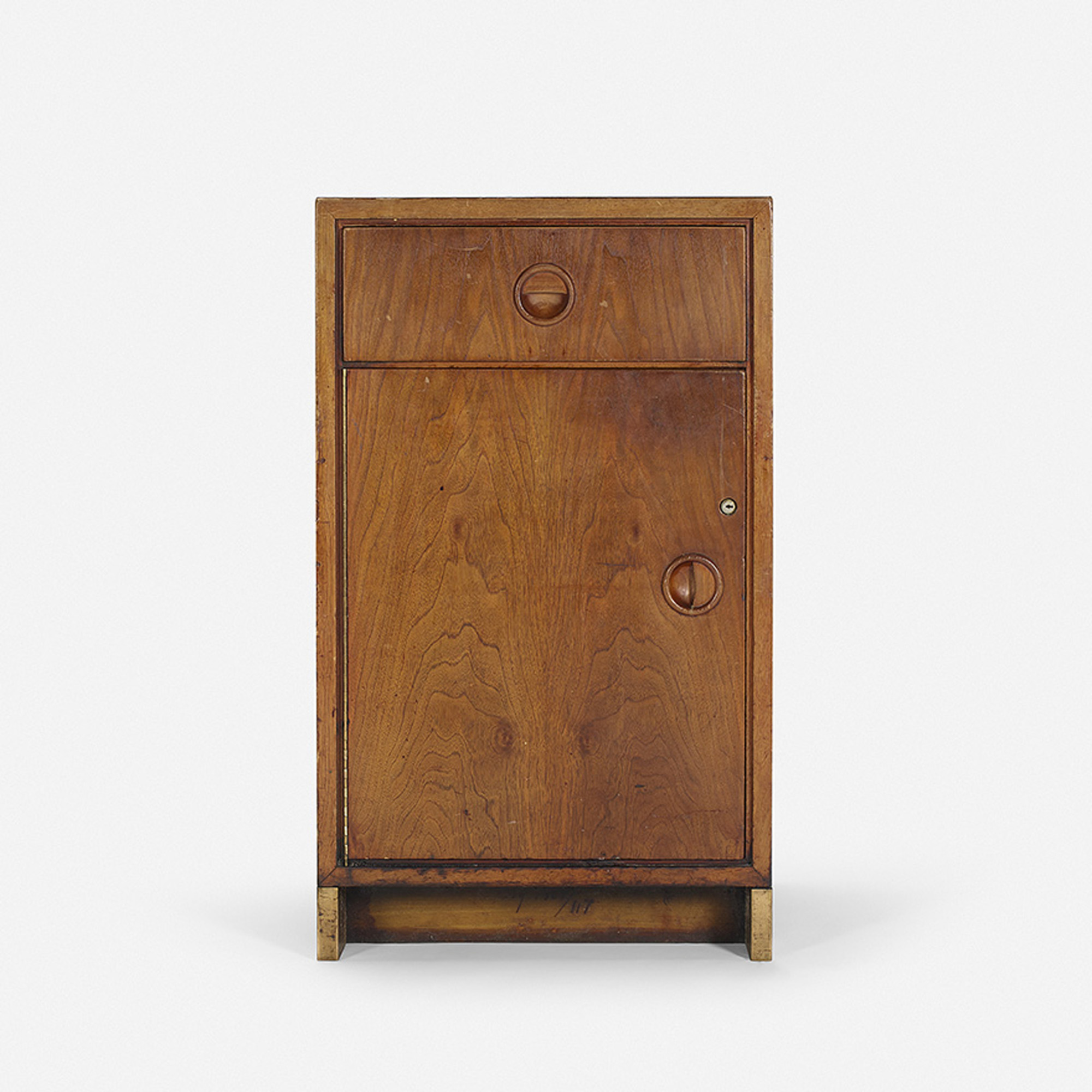 136: Philip Johnson Associates / Serving cabinet from the bar in the Grill Room (1 of 1)