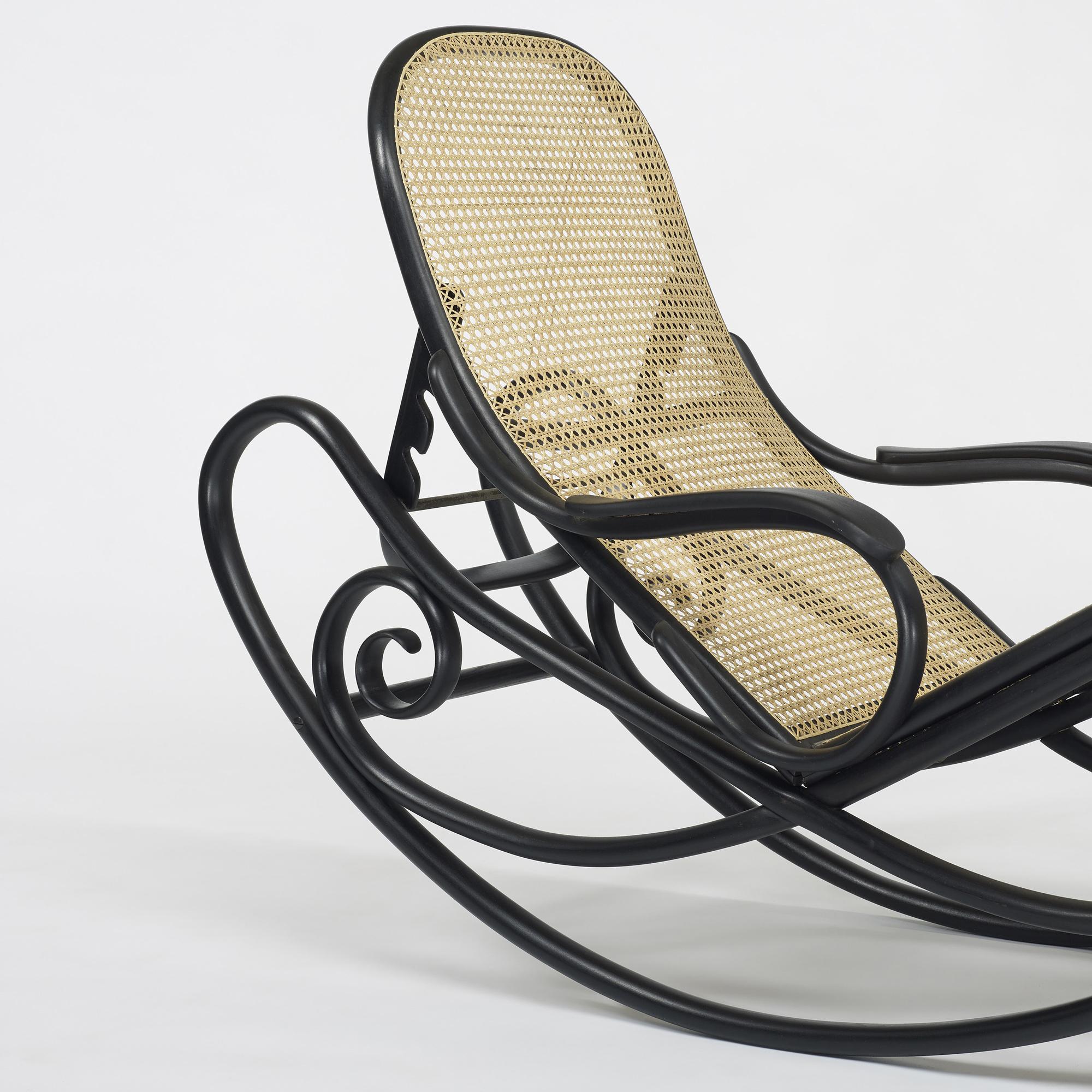 136 gebr der thonet chaise model 7500. Black Bedroom Furniture Sets. Home Design Ideas