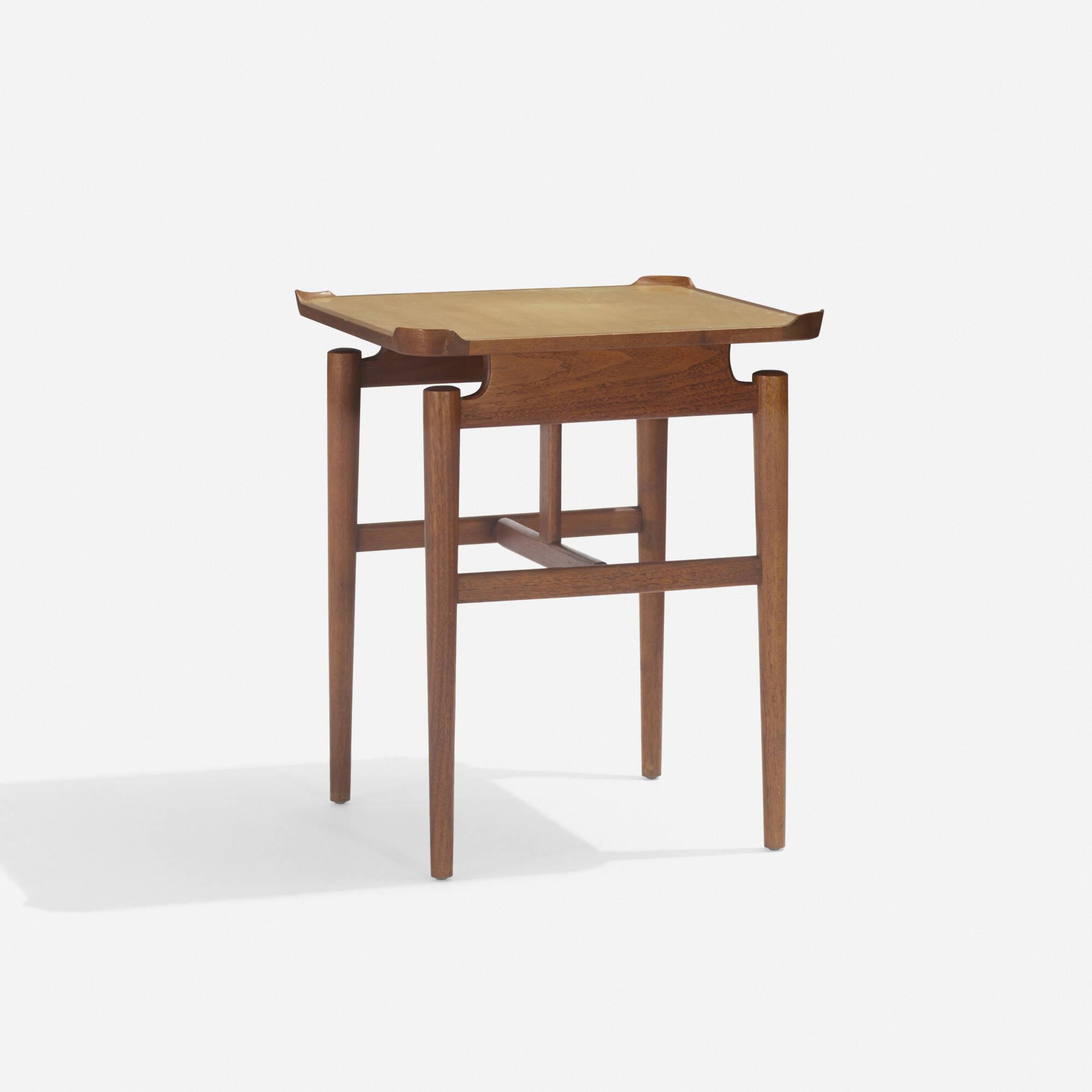 138: Finn Juhl / occasional table, model 526 (1 of 2)