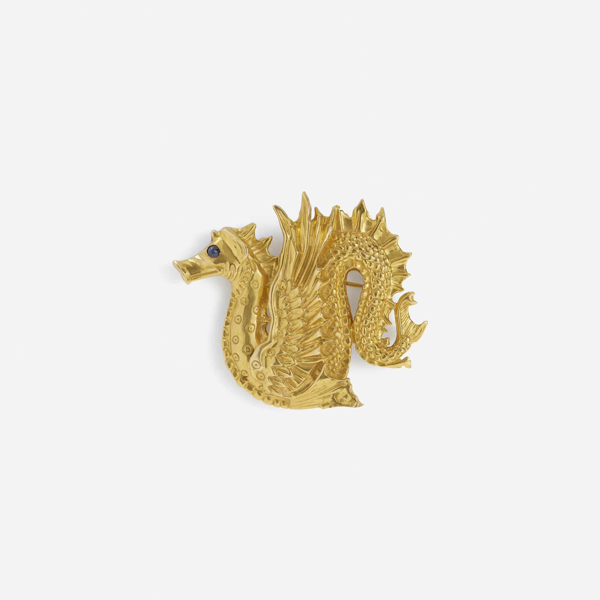 139:  / A gold brooch (1 of 1)