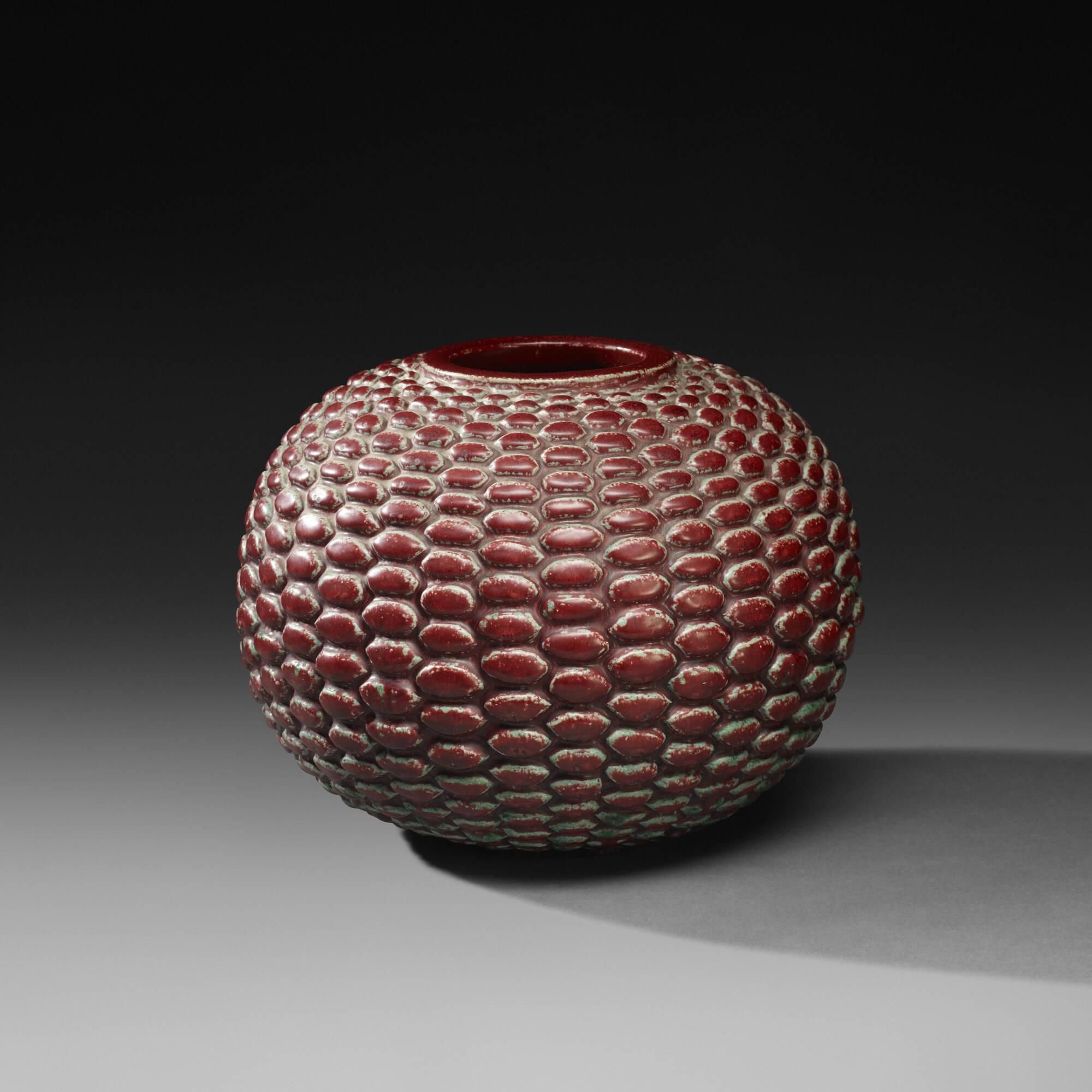 141: Axel Salto / Budding vase (1 of 2)