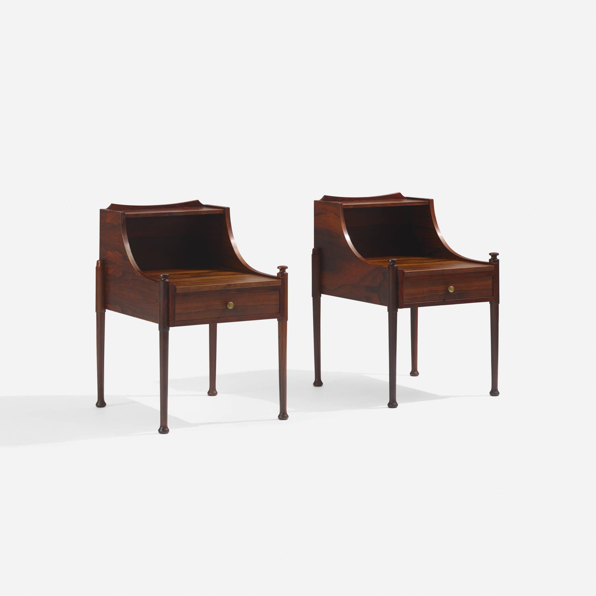 142: Brouer Møbelfabrik / nightstands, pair (1 of 3)