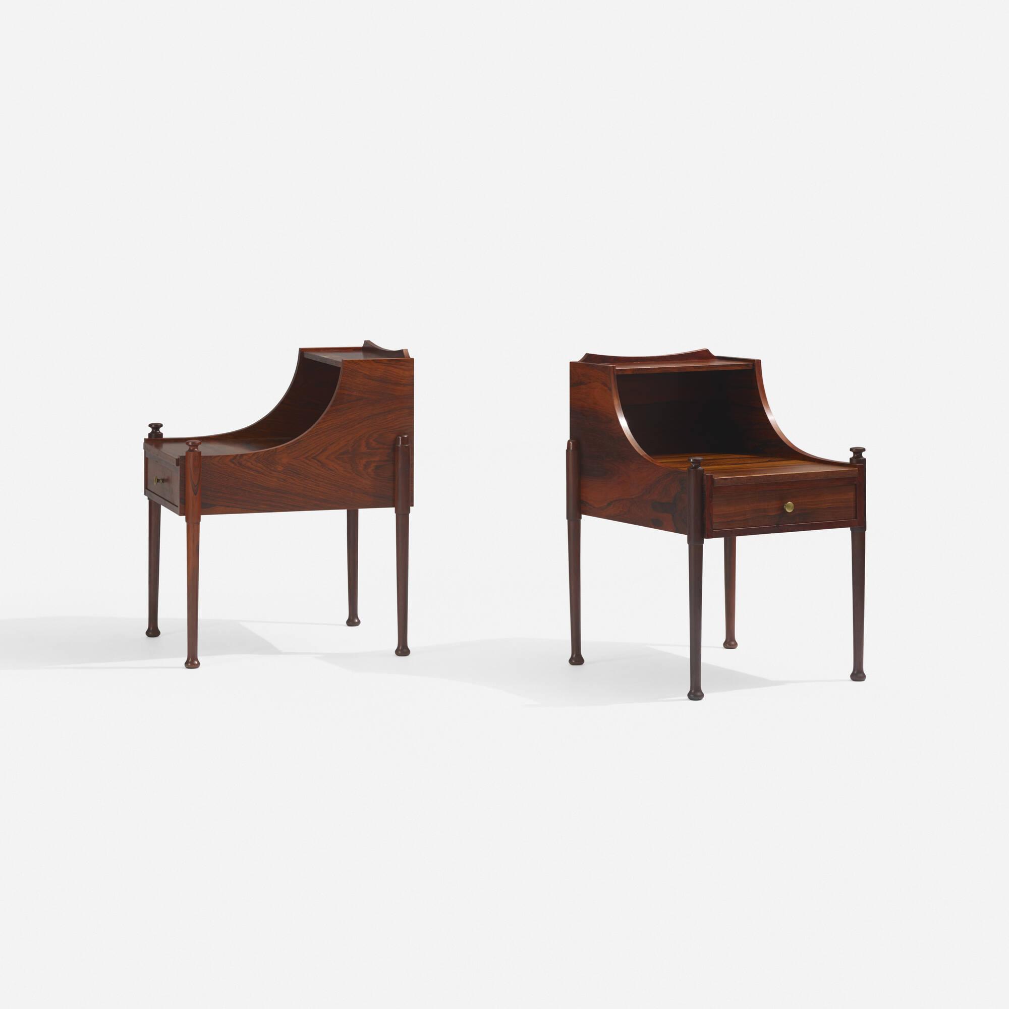 142: Brouer Møbelfabrik / nightstands, pair (2 of 3)