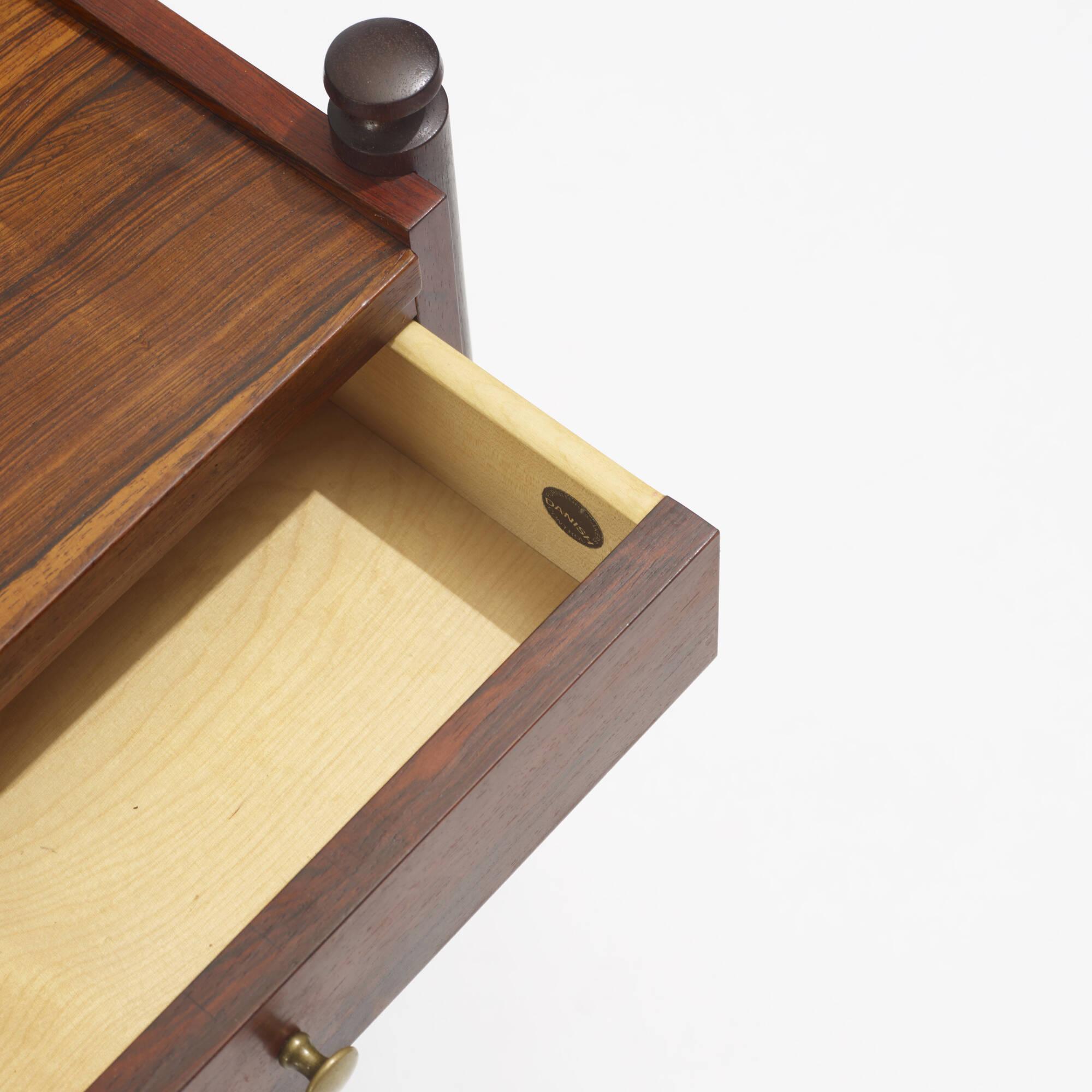 142: Brouer Møbelfabrik / nightstands, pair (3 of 3)